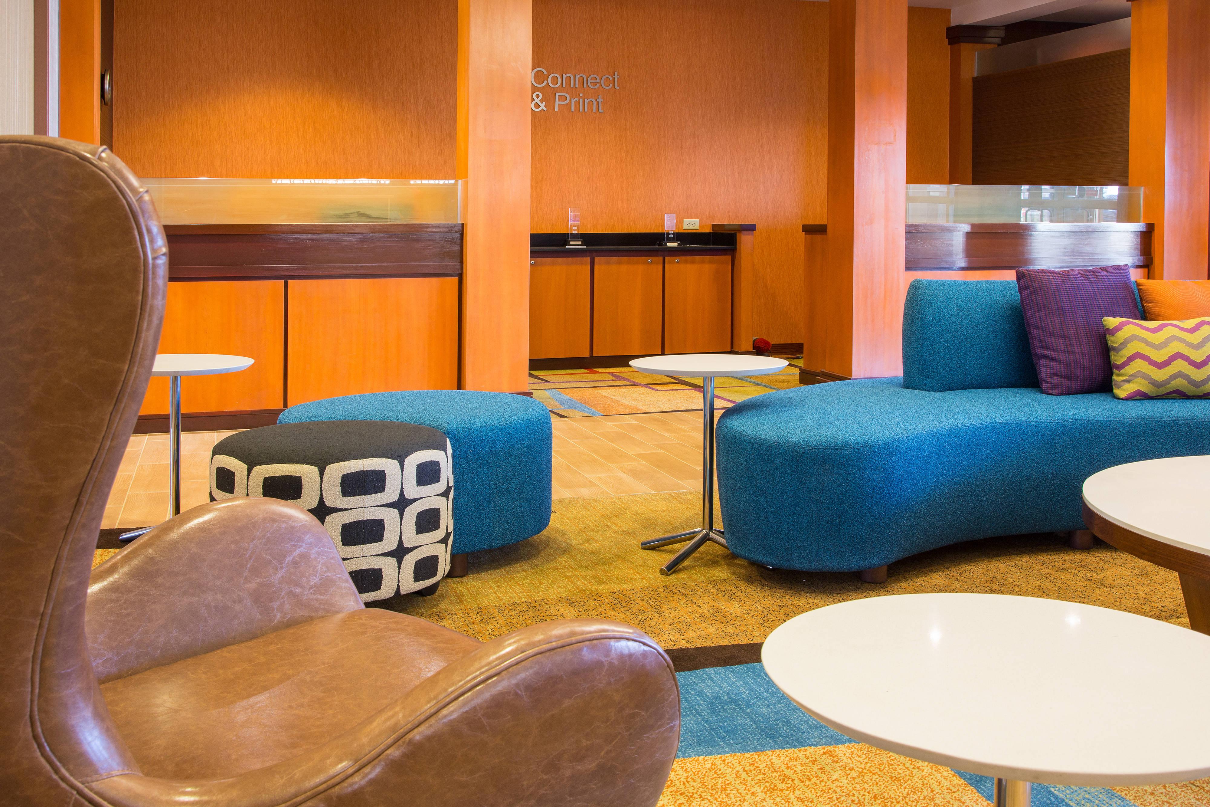 Fairfield Inn & Suites Columbus OSU Lobby