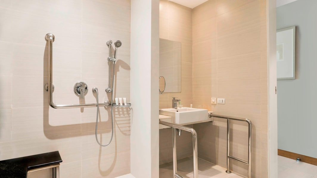 Mobility Accessible Rooms Bathroom