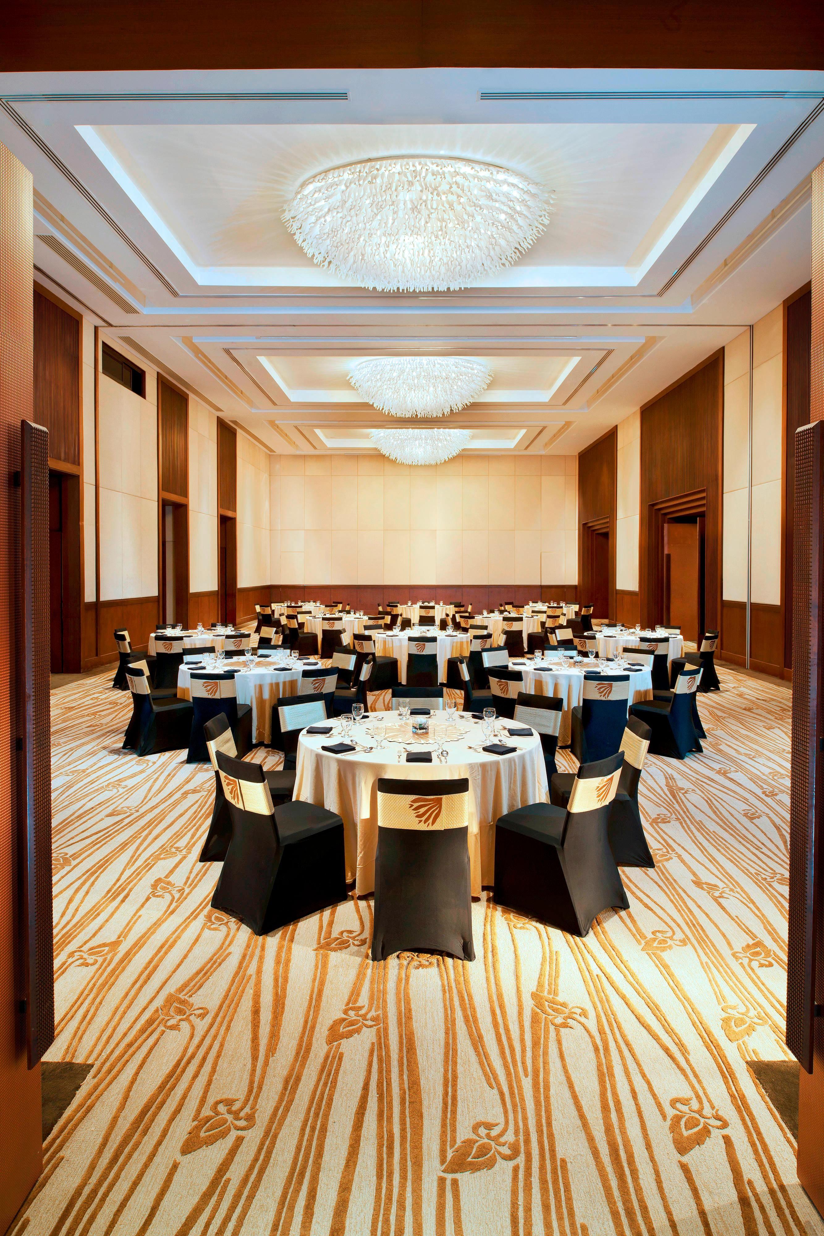 Ballroom Banquet up