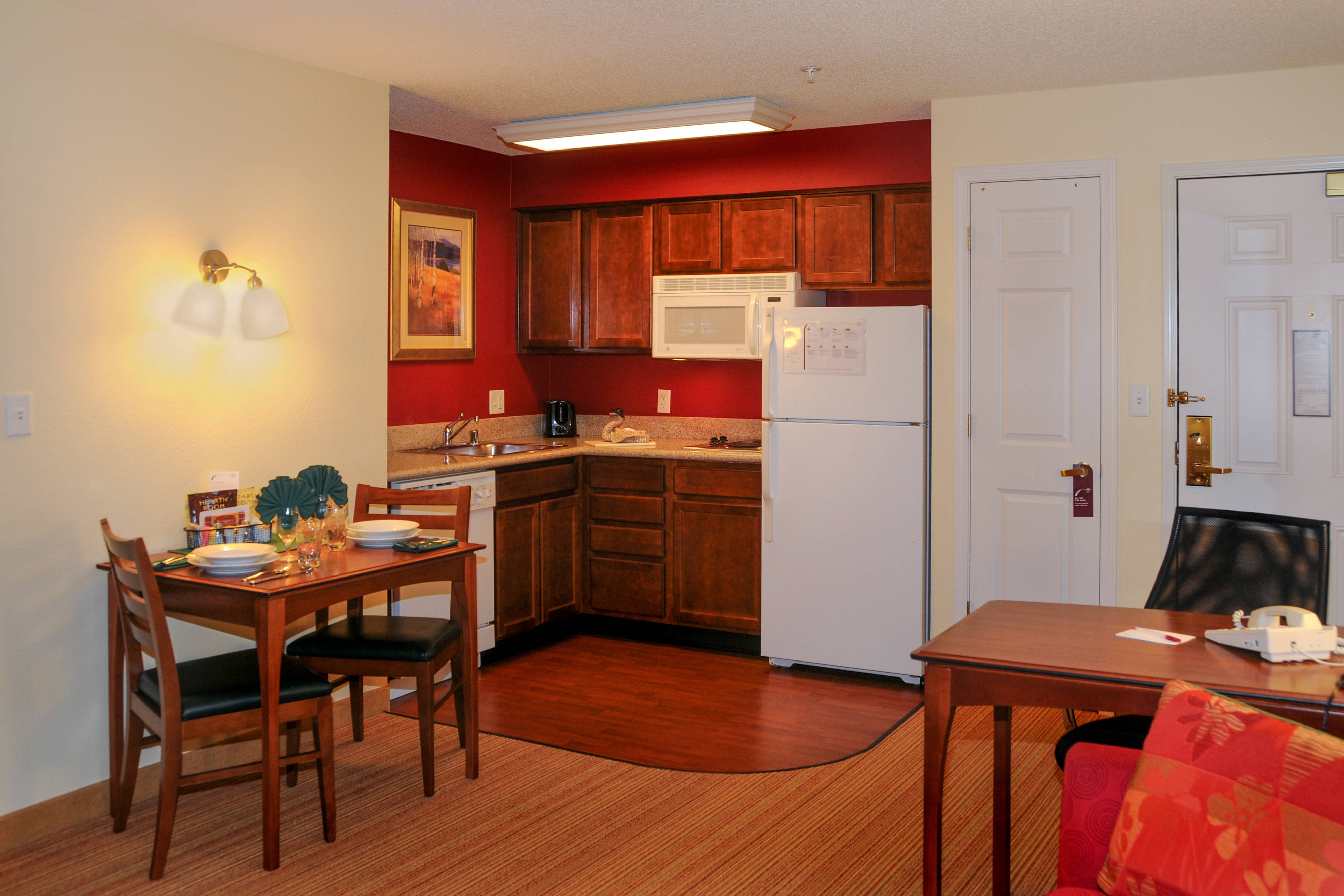 Colorado Springs Hotel with kitchen