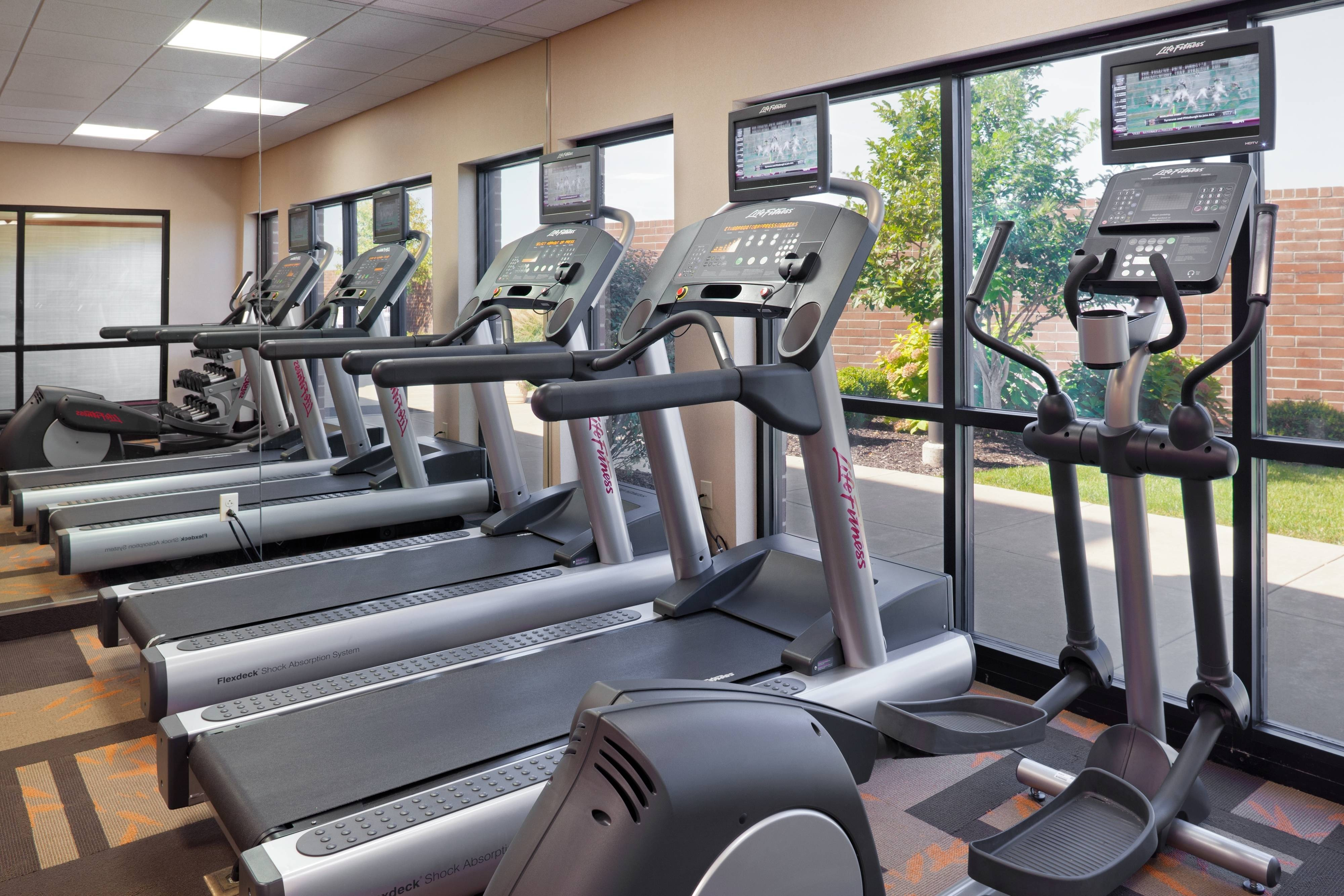 Fitness center in Columbia hotel