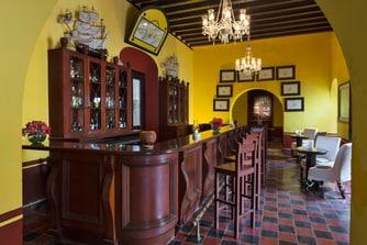Puerta Campeche Bar