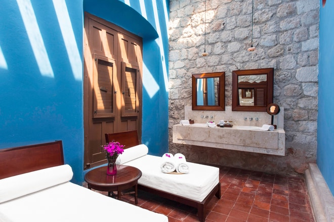 Junior Suite - Bathroom