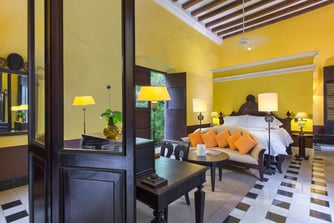 Suite Colonial, cama tamaño king