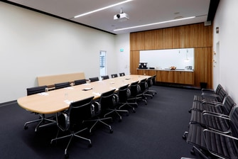 Meeting Room 21 – Boardroom Setup