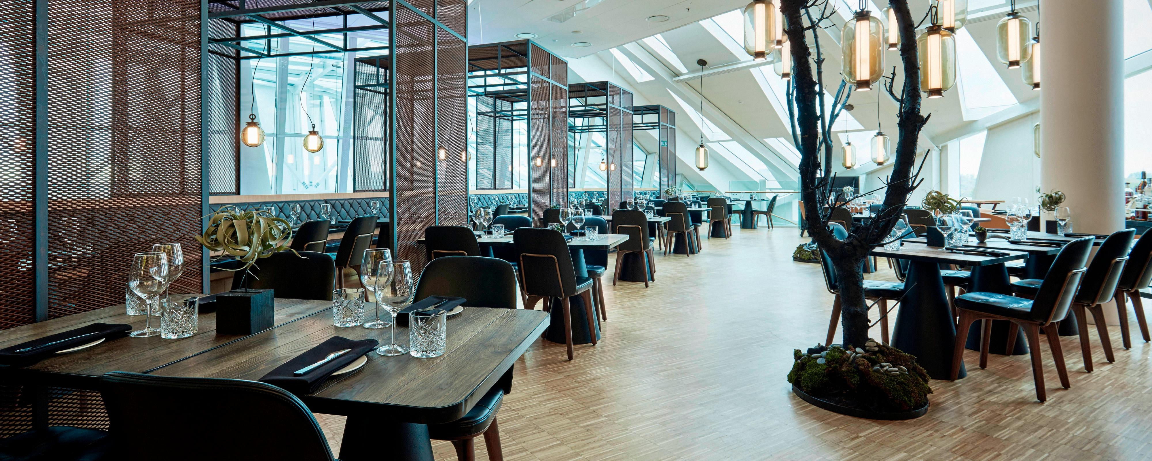 Rooftop bar airport restaurant ac hotel bella sky for Designhotel kopenhagen