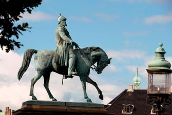 King Frederik on Christiansborg