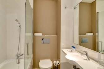 Studio - Guest Bathroom