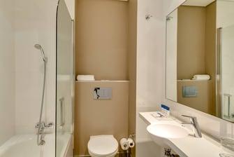 Studio - Guest Bathroom