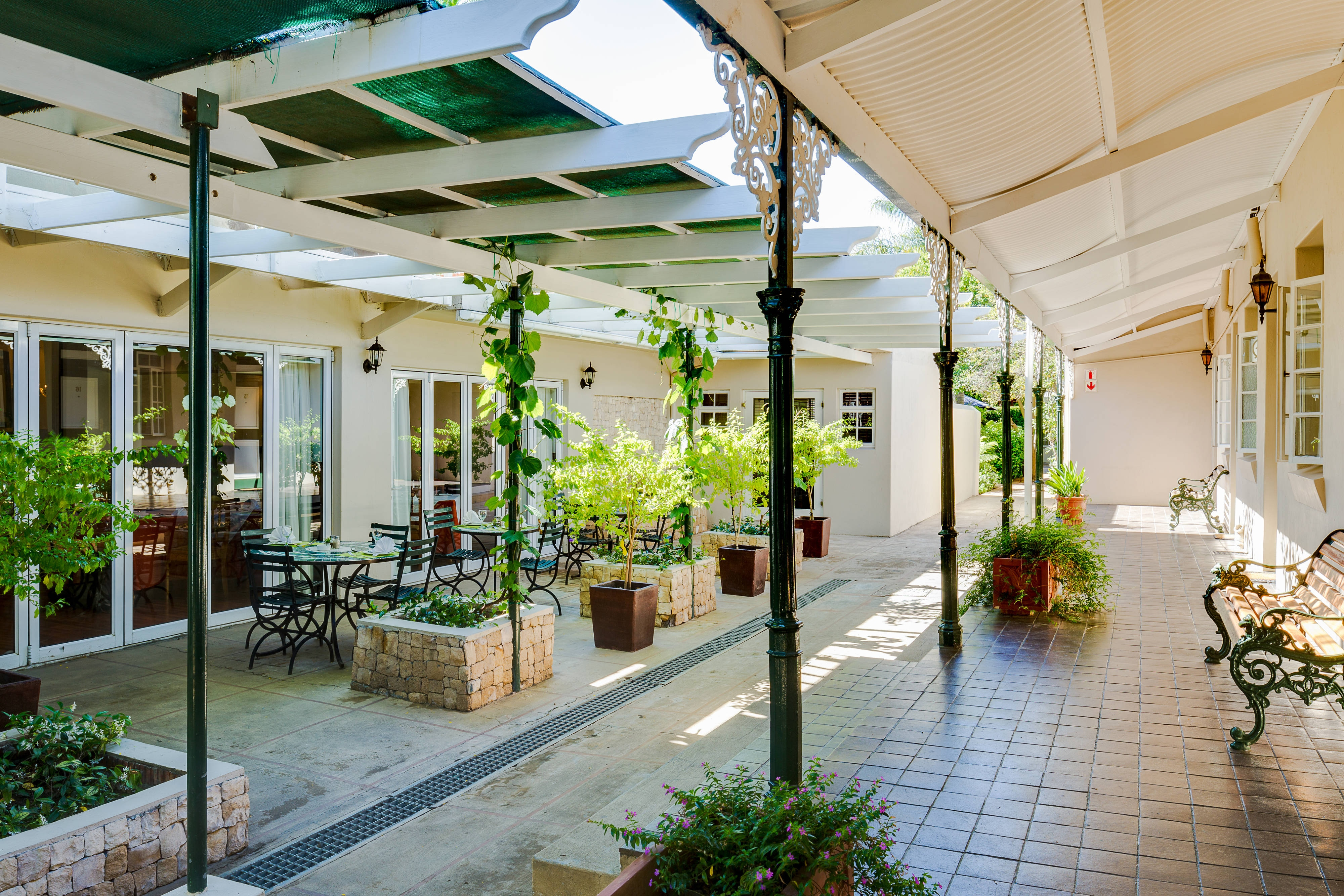 Protea Hotel Dorpshuis & Spa courtyard