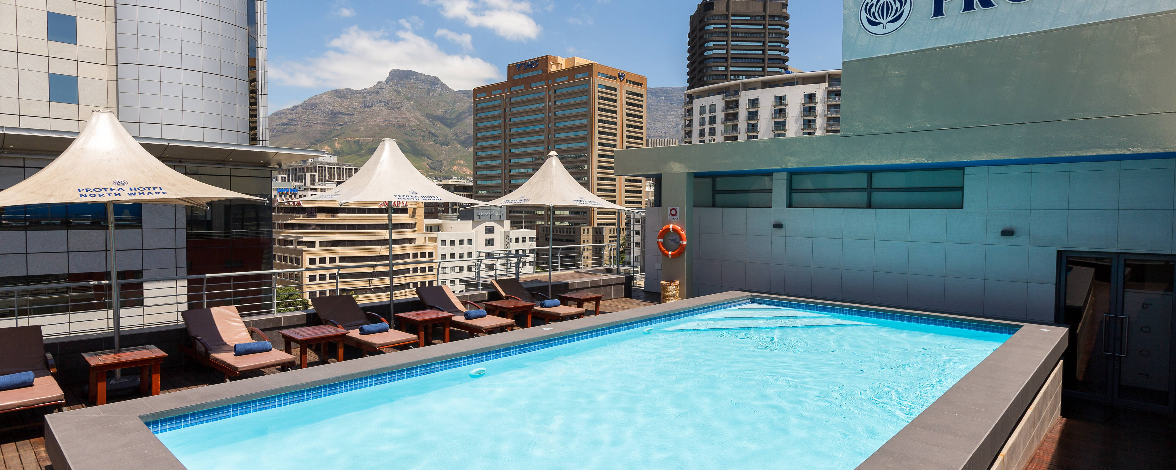 Hotel Outdoor Rooftop Pool