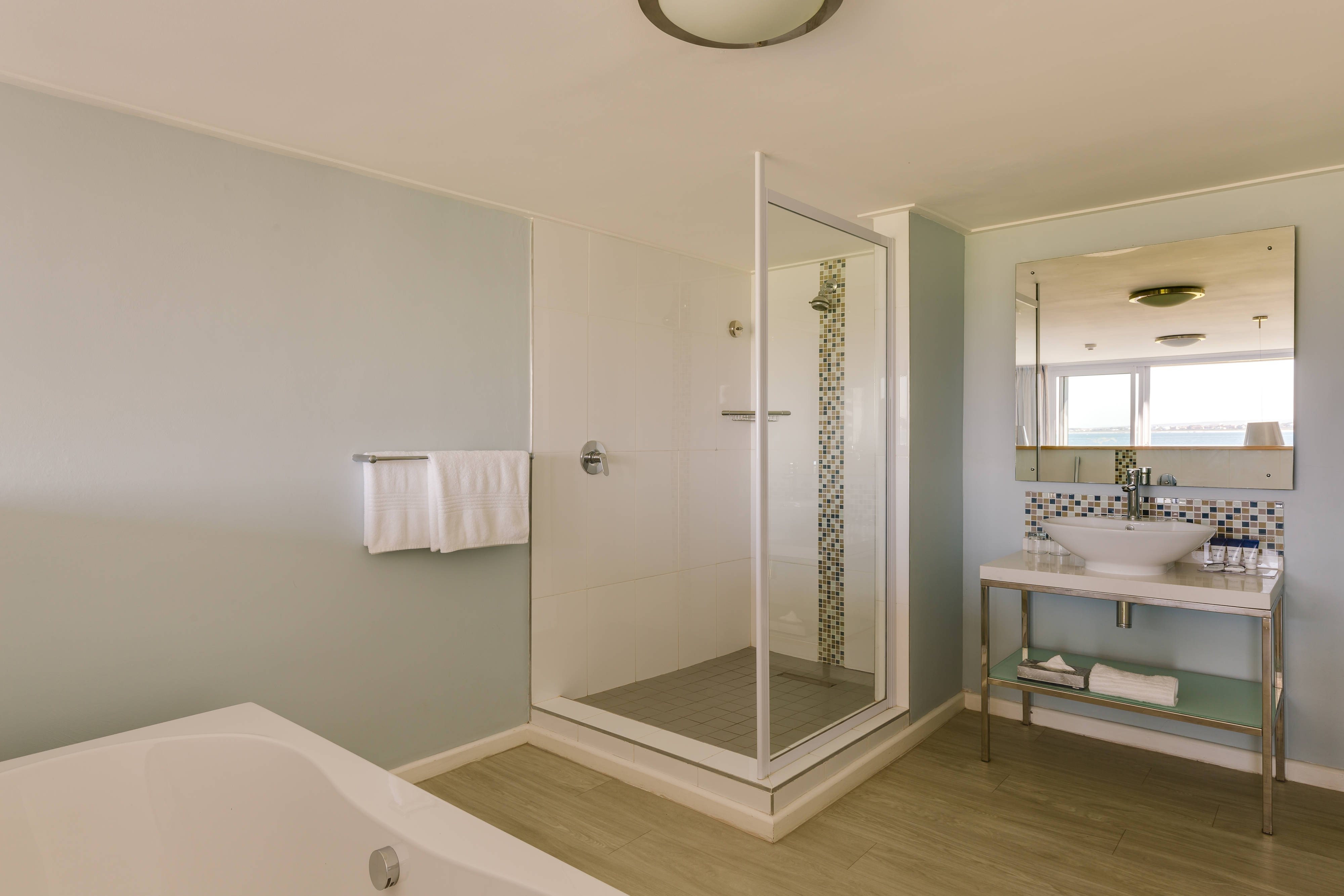 Suite Accommodation Bathroom Amenities