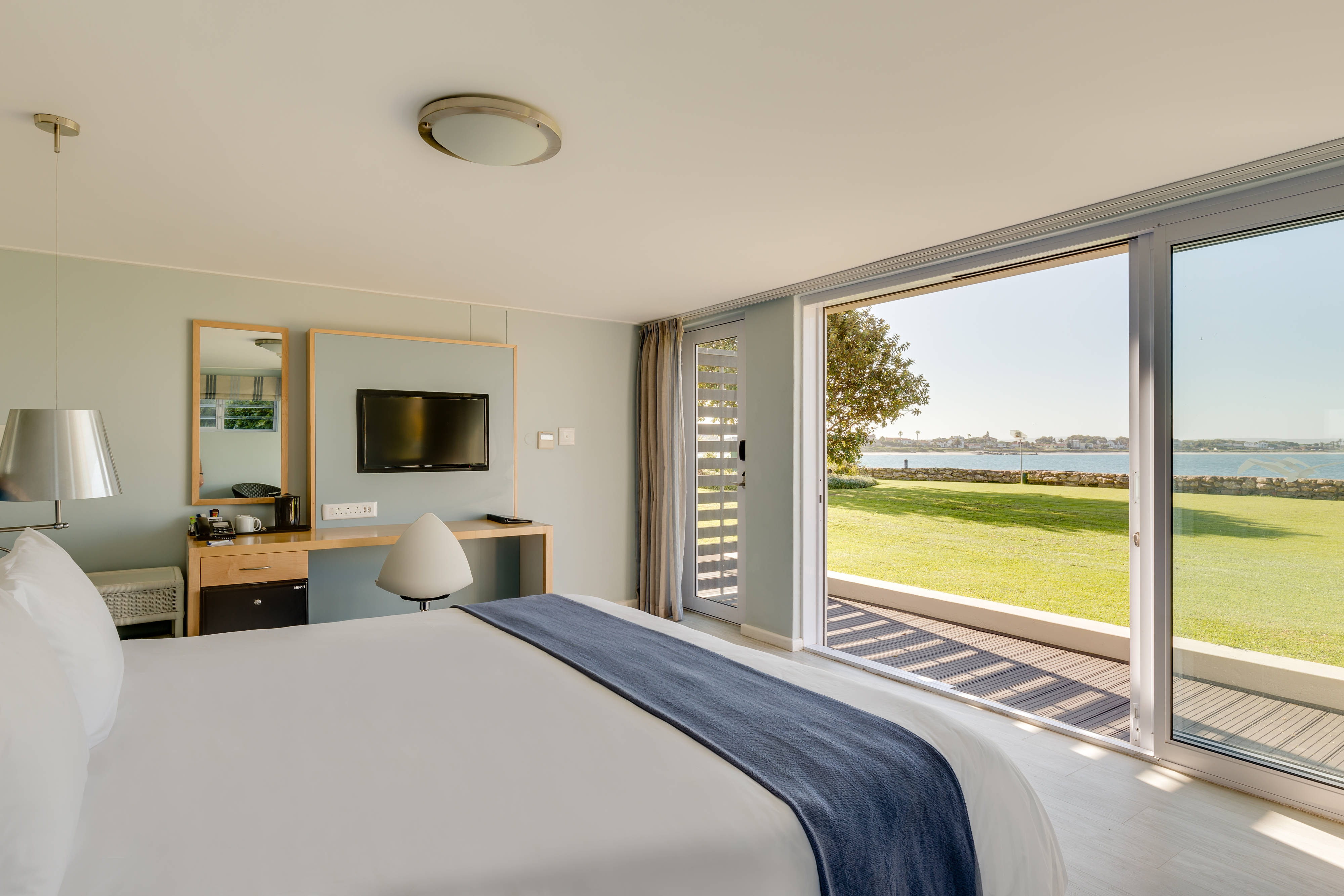 Suite Bedroom and Sea view