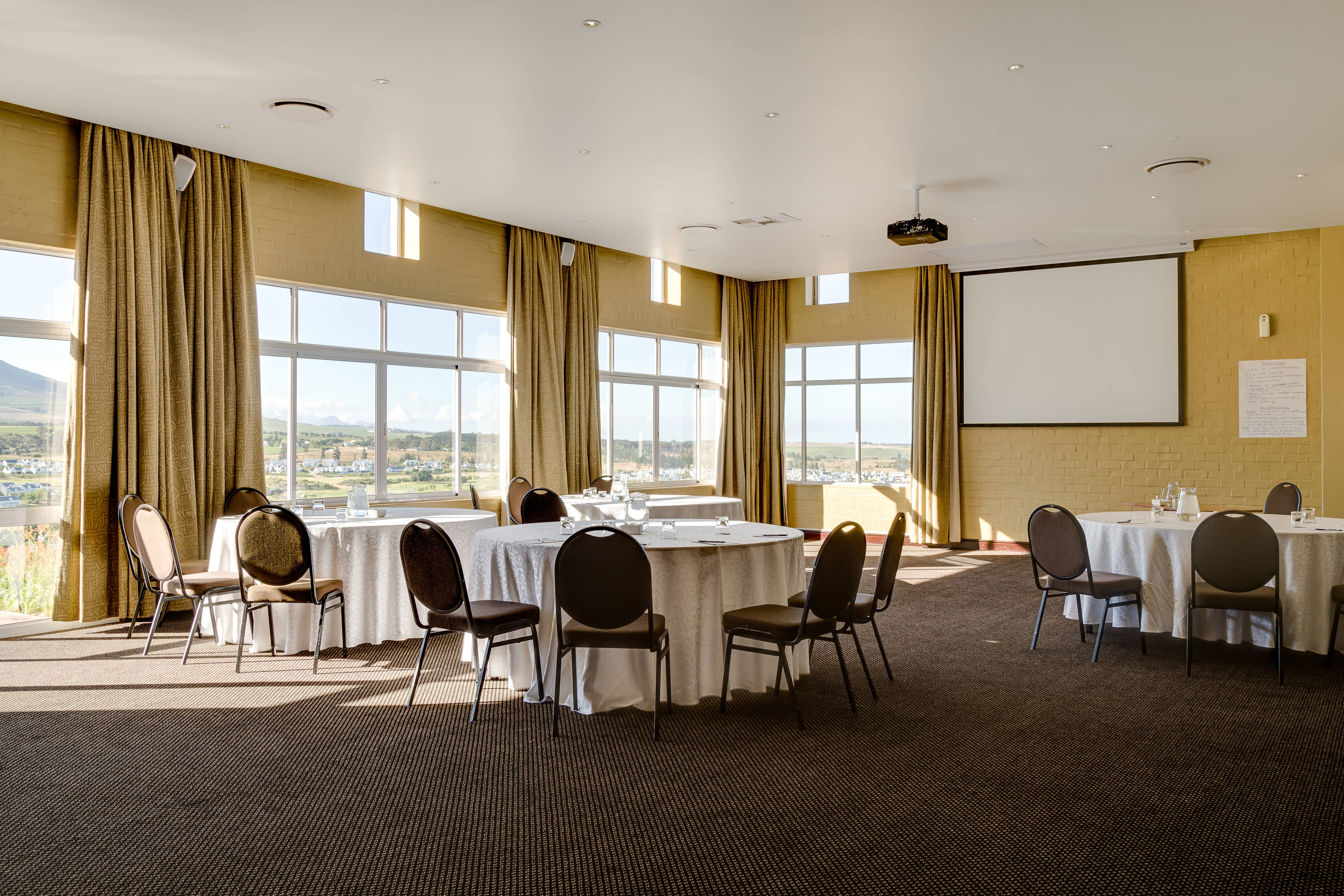 Conference Room – Banquet Setup
