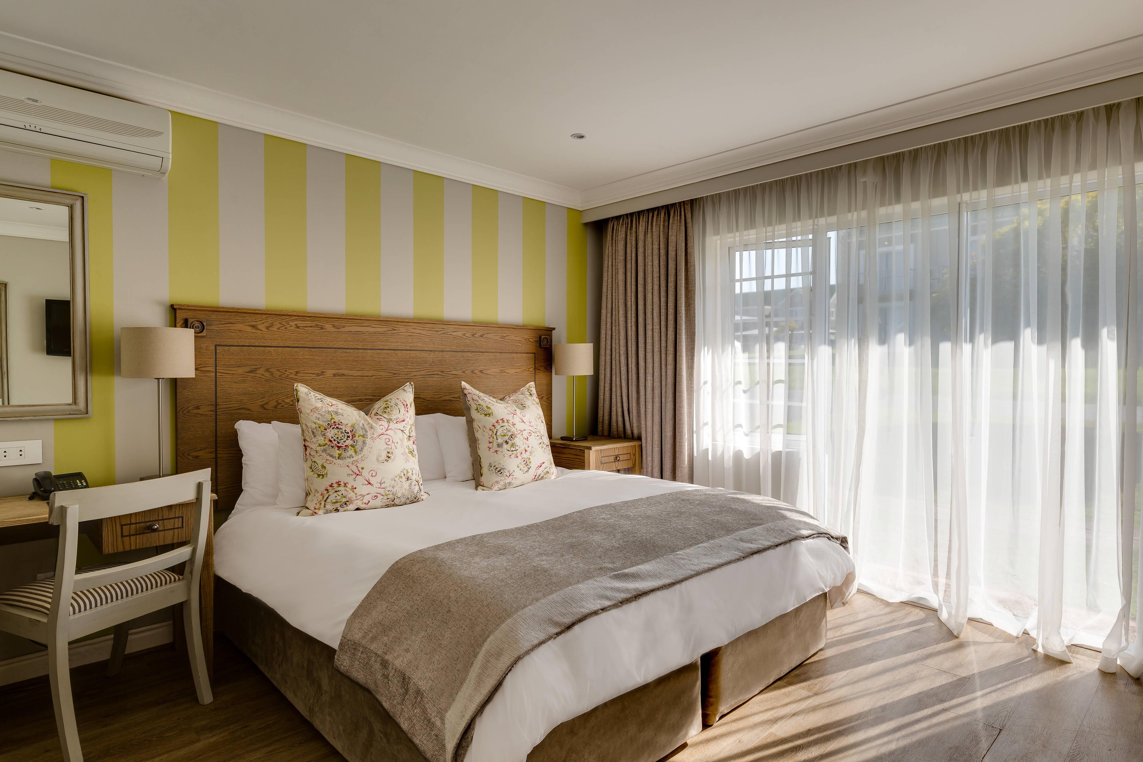 Deluxe Guest Room - Sleeping Area