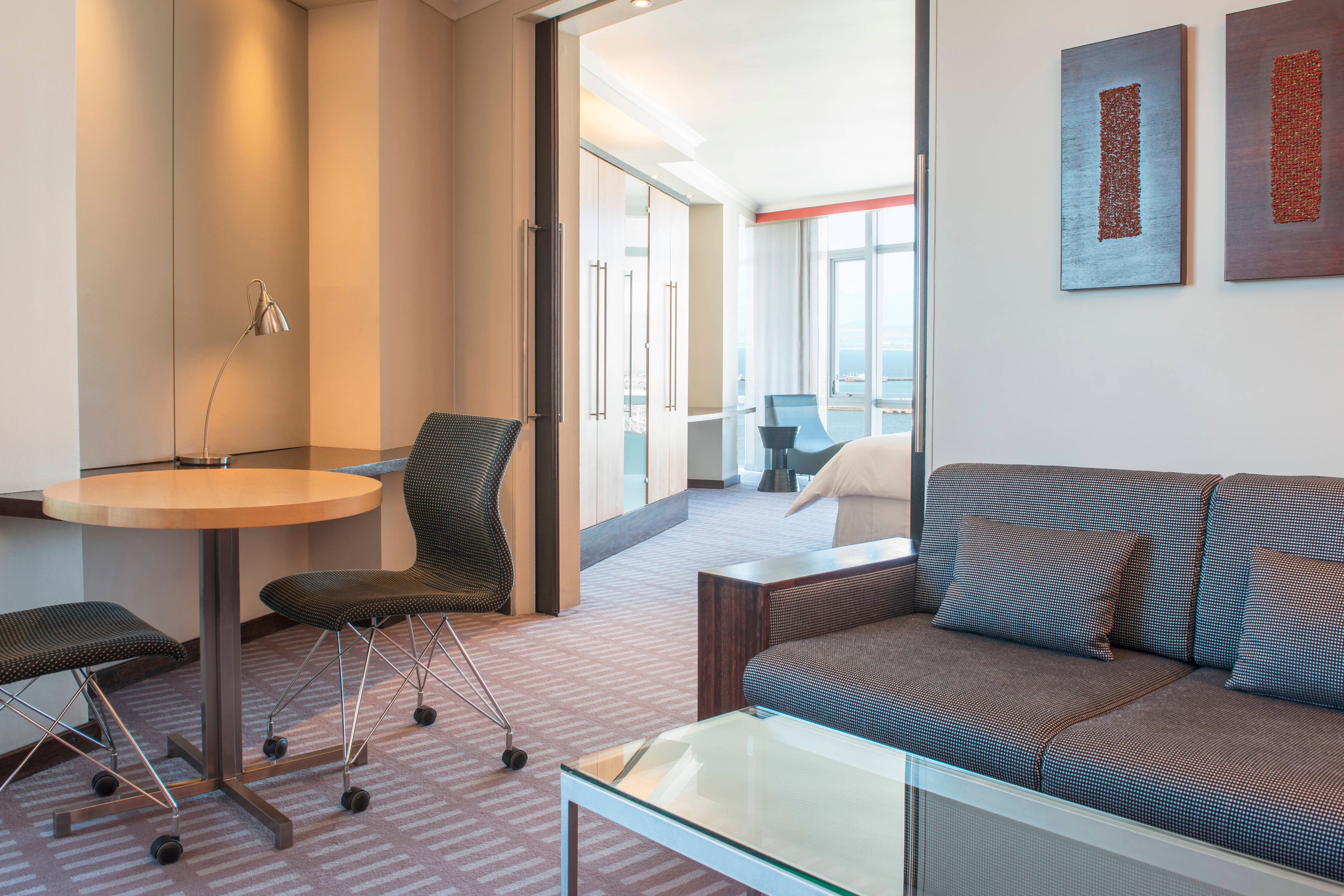 Executive Suite - Study Lounge Link