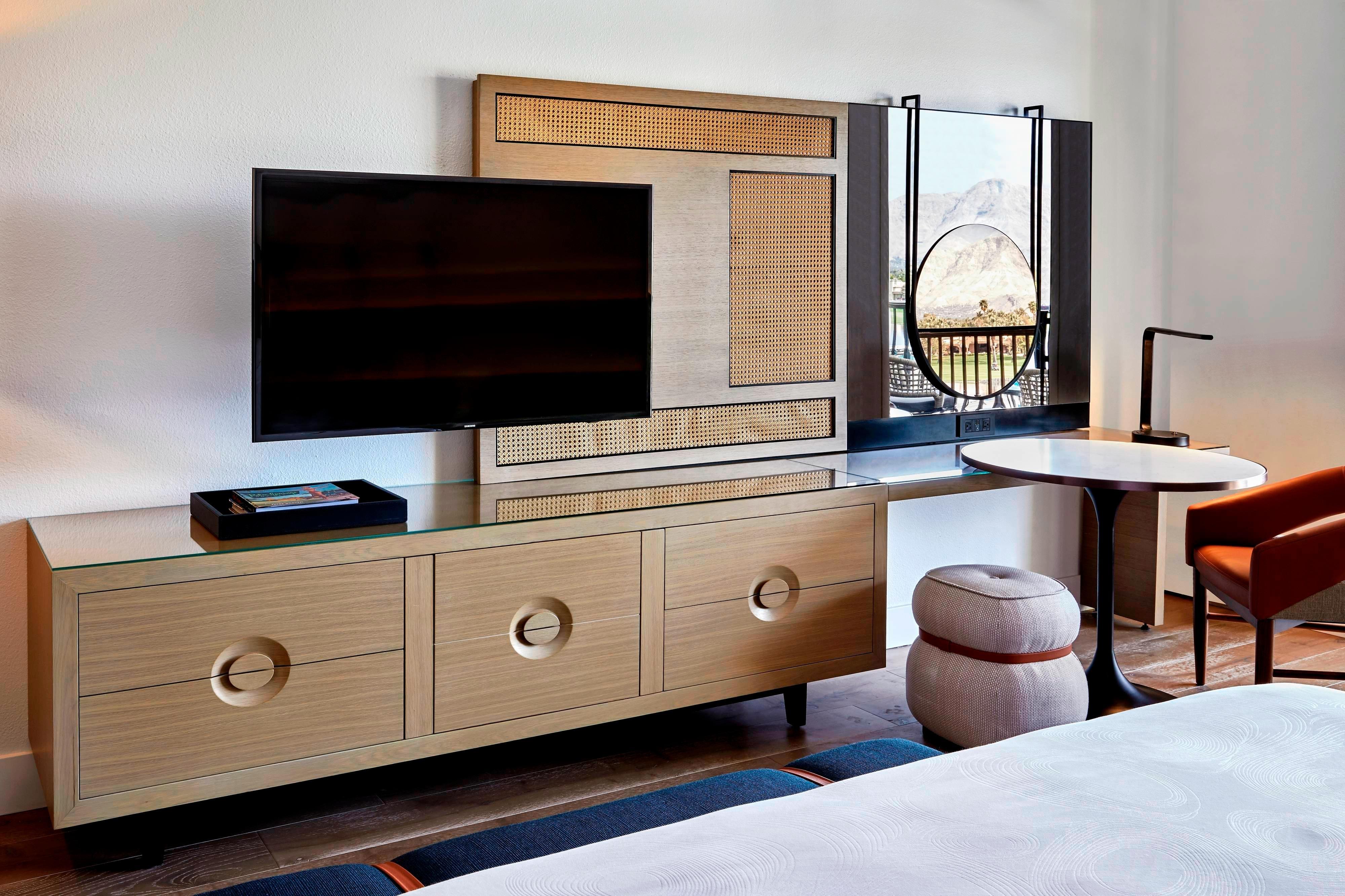 Chambre Renovated avec balcon et deux lits queen size