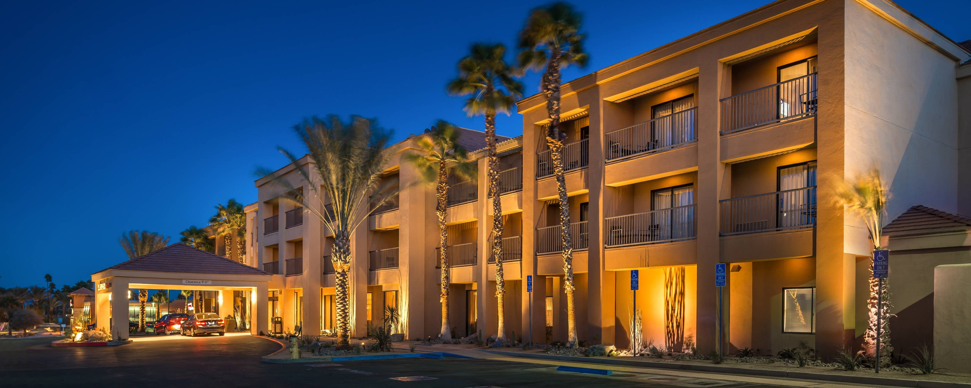 Palm Desert CA Hotels | Courtyard Palm Desert
