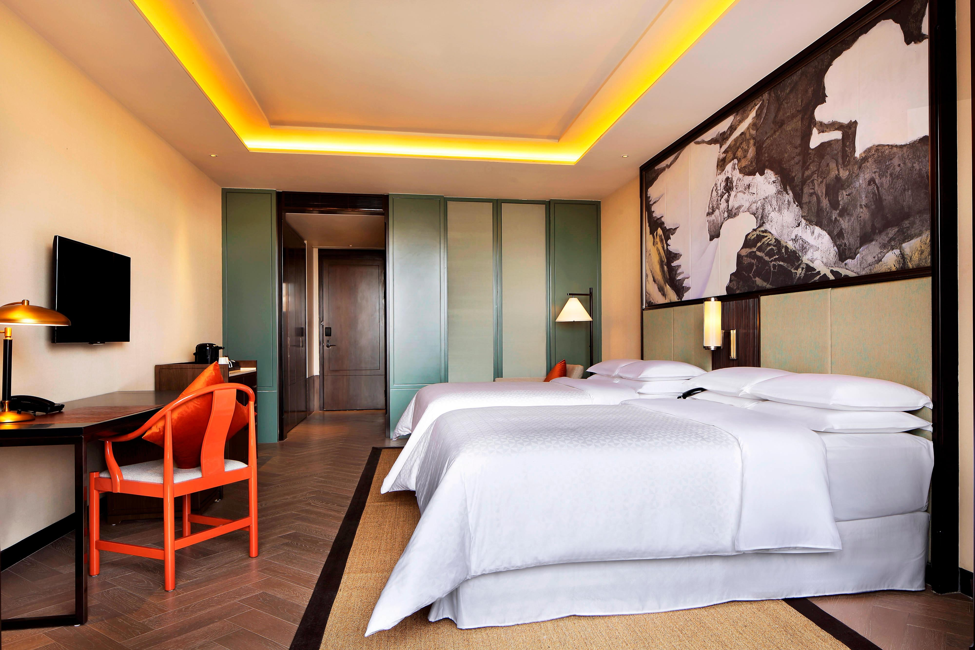Deluxe Twin Size Room