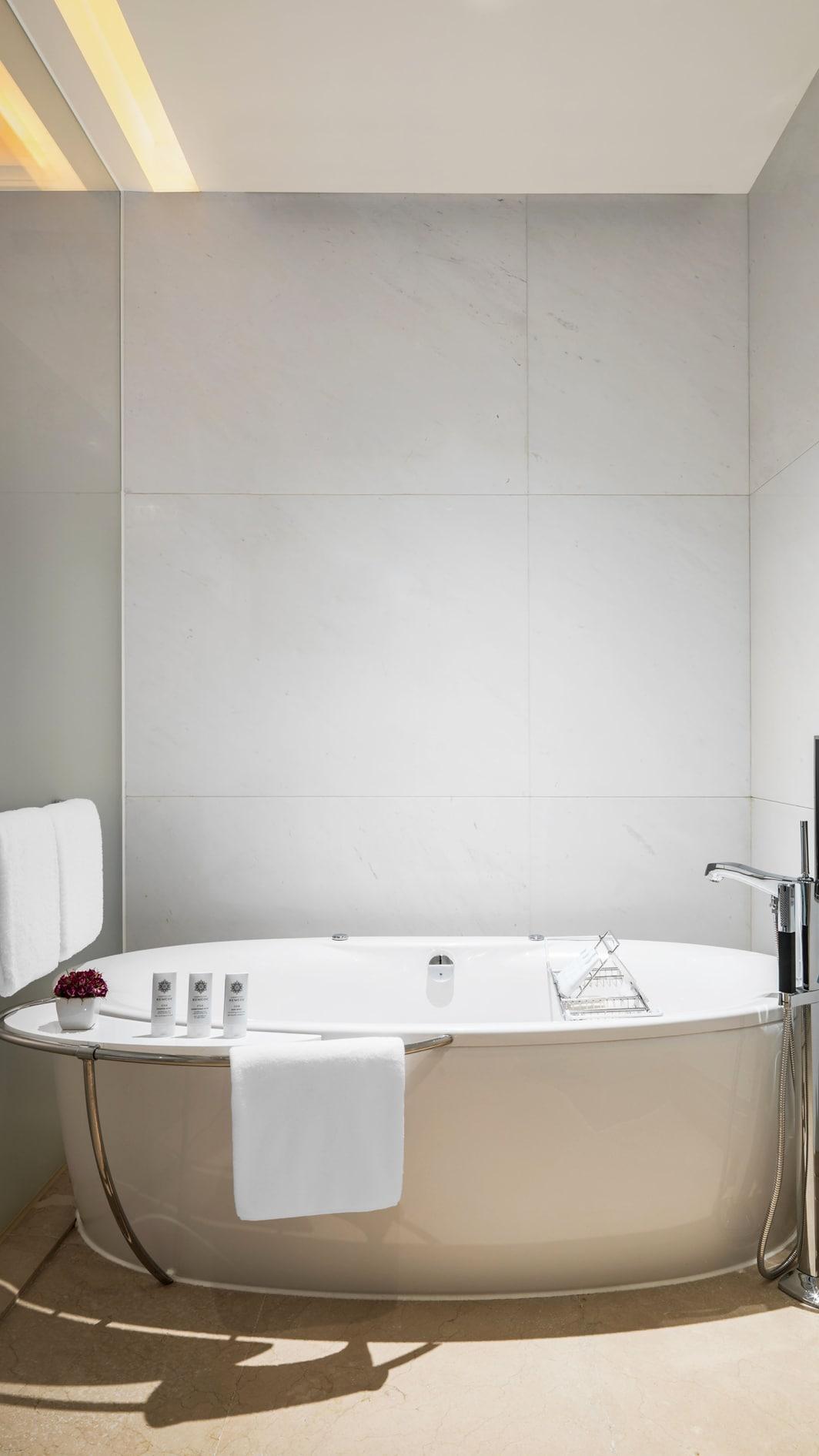 エンパイアスイート-バスルーム