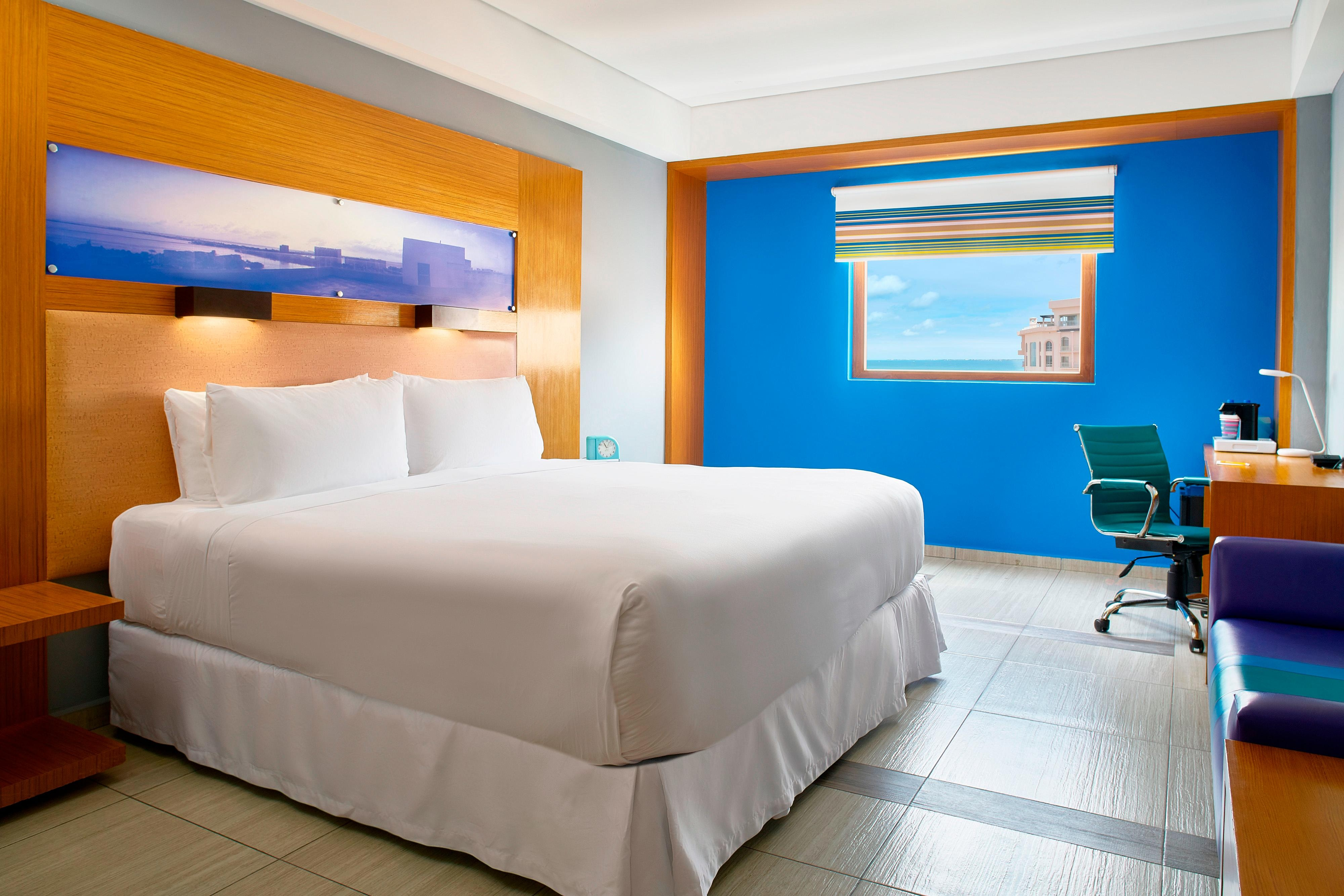 King Aloft Ocean View Guest Room