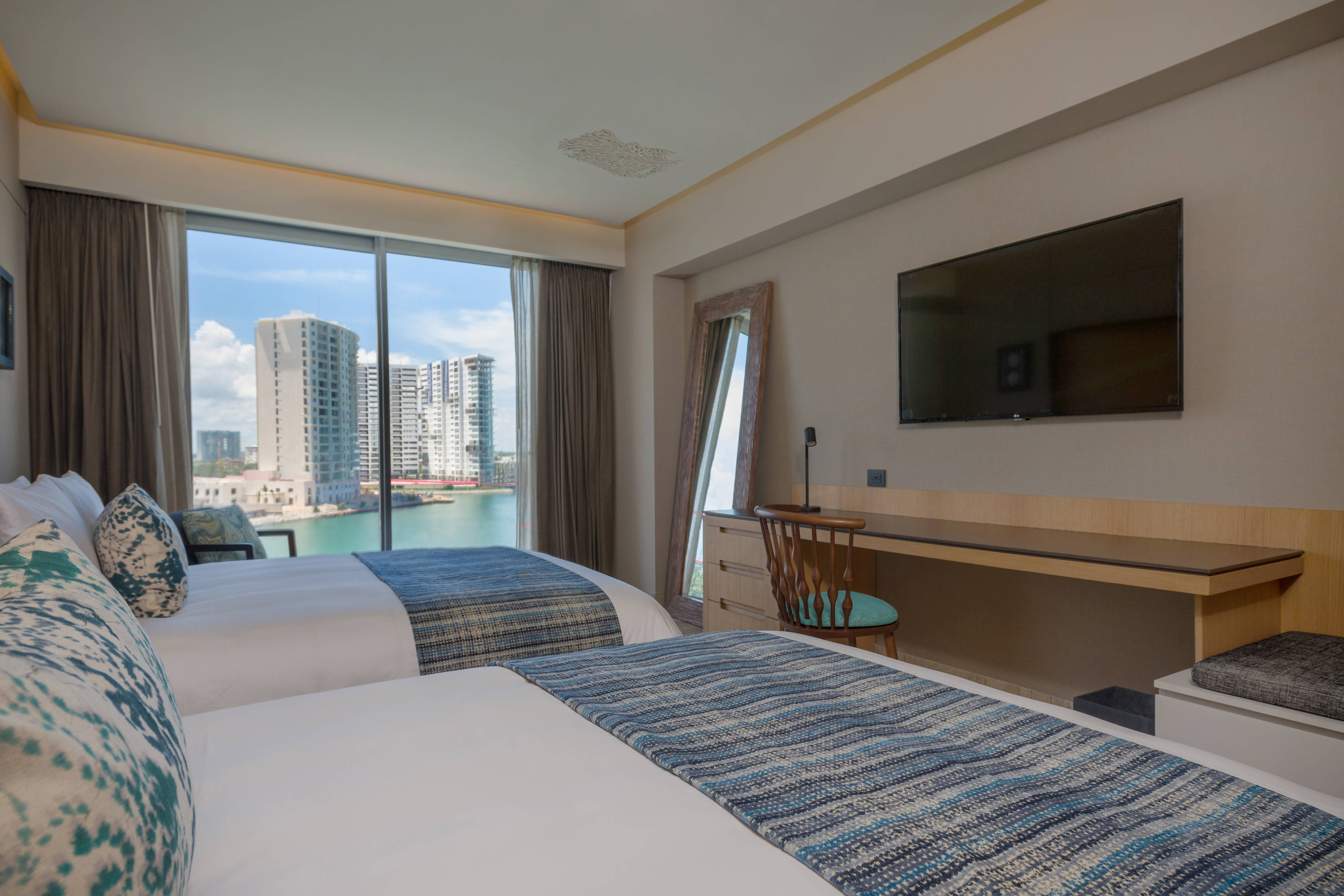 Double/Double Guest Room - Marina View