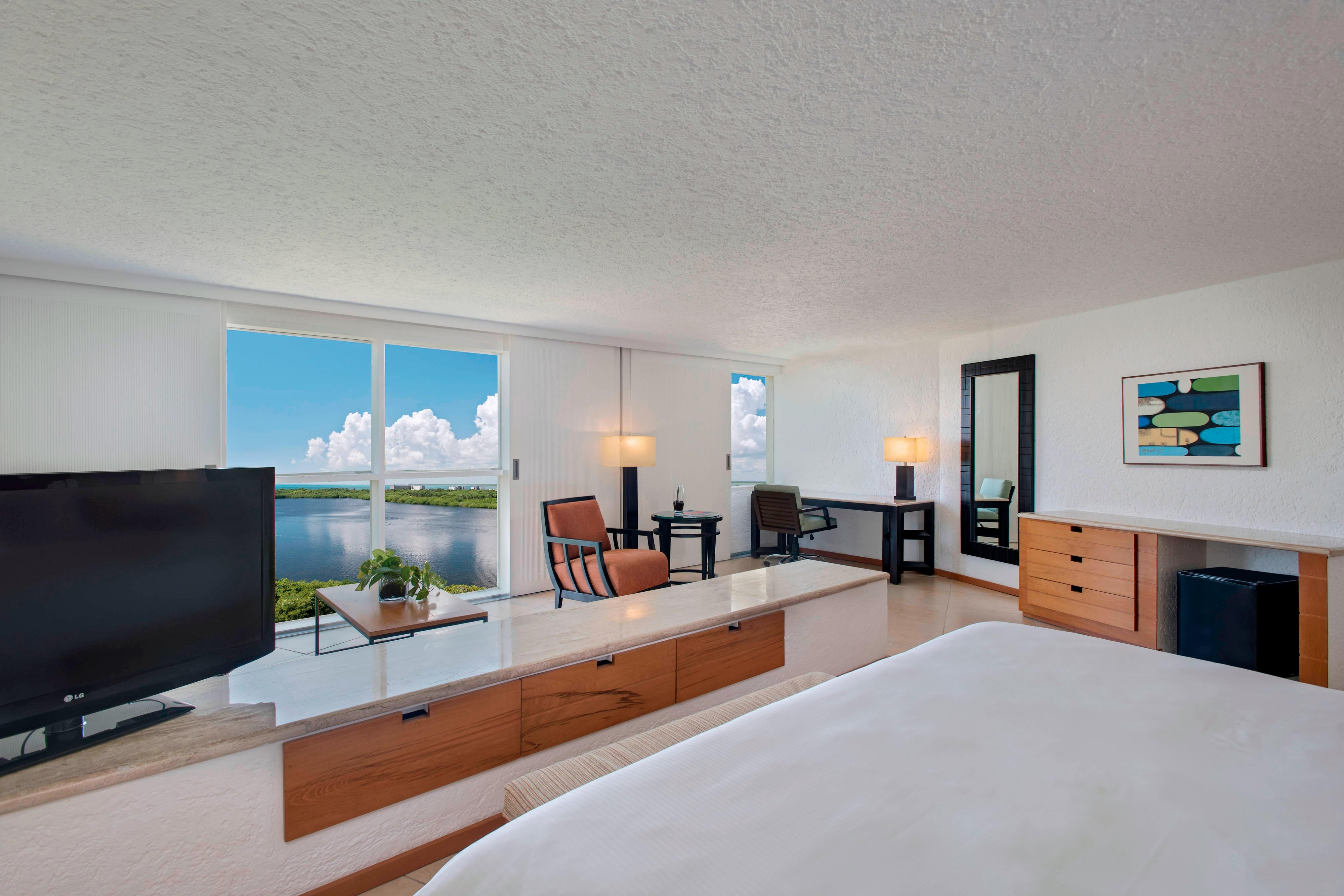 Junior Suite - Lagoon View