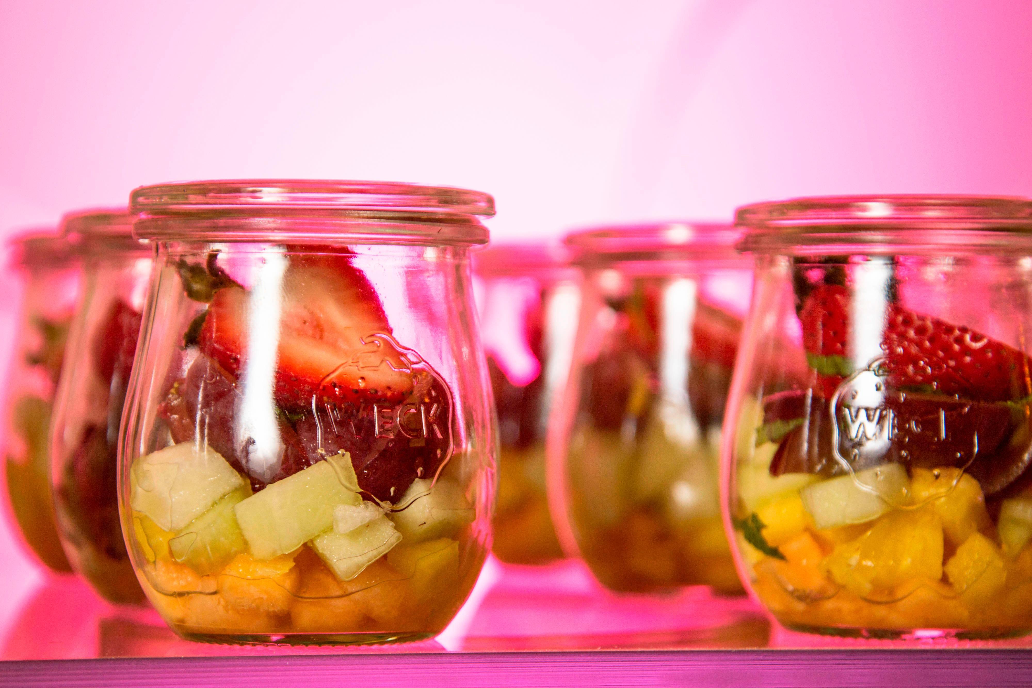 Tarros con frutas tropicales