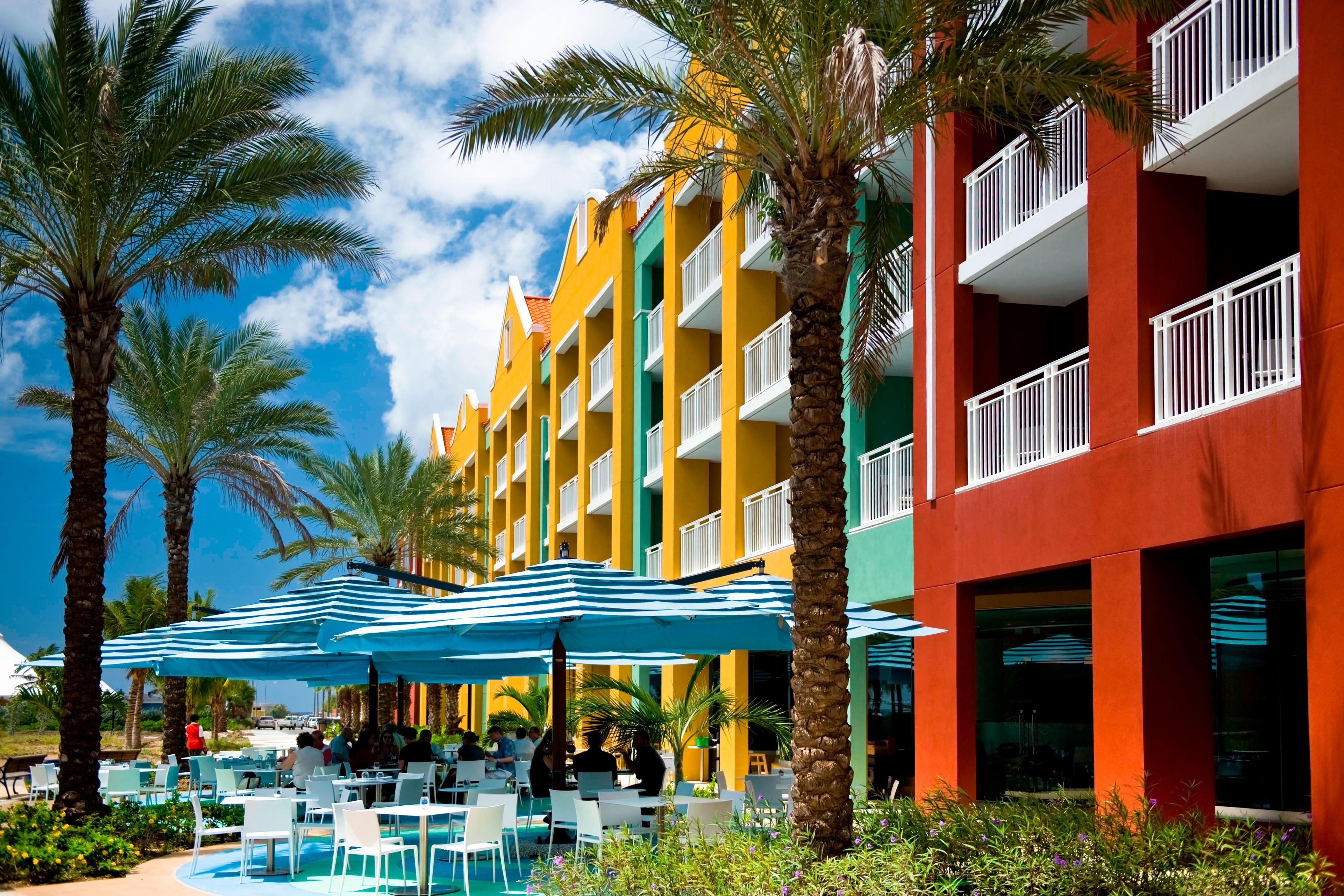 Fachada del hotel de la playa de Curaçao