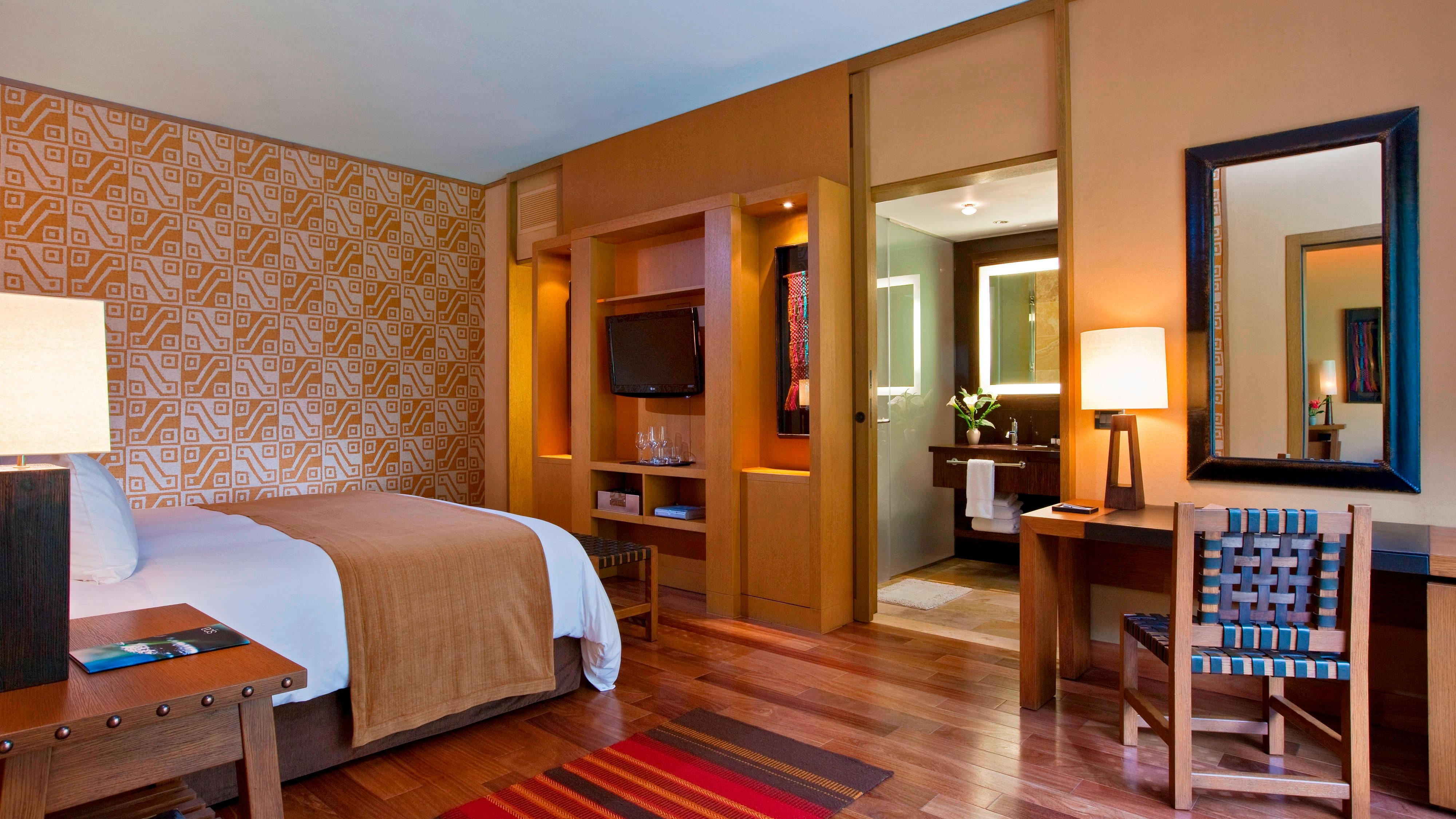 Superior Room - King Guest Room