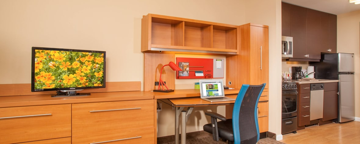 Suite Work Desk