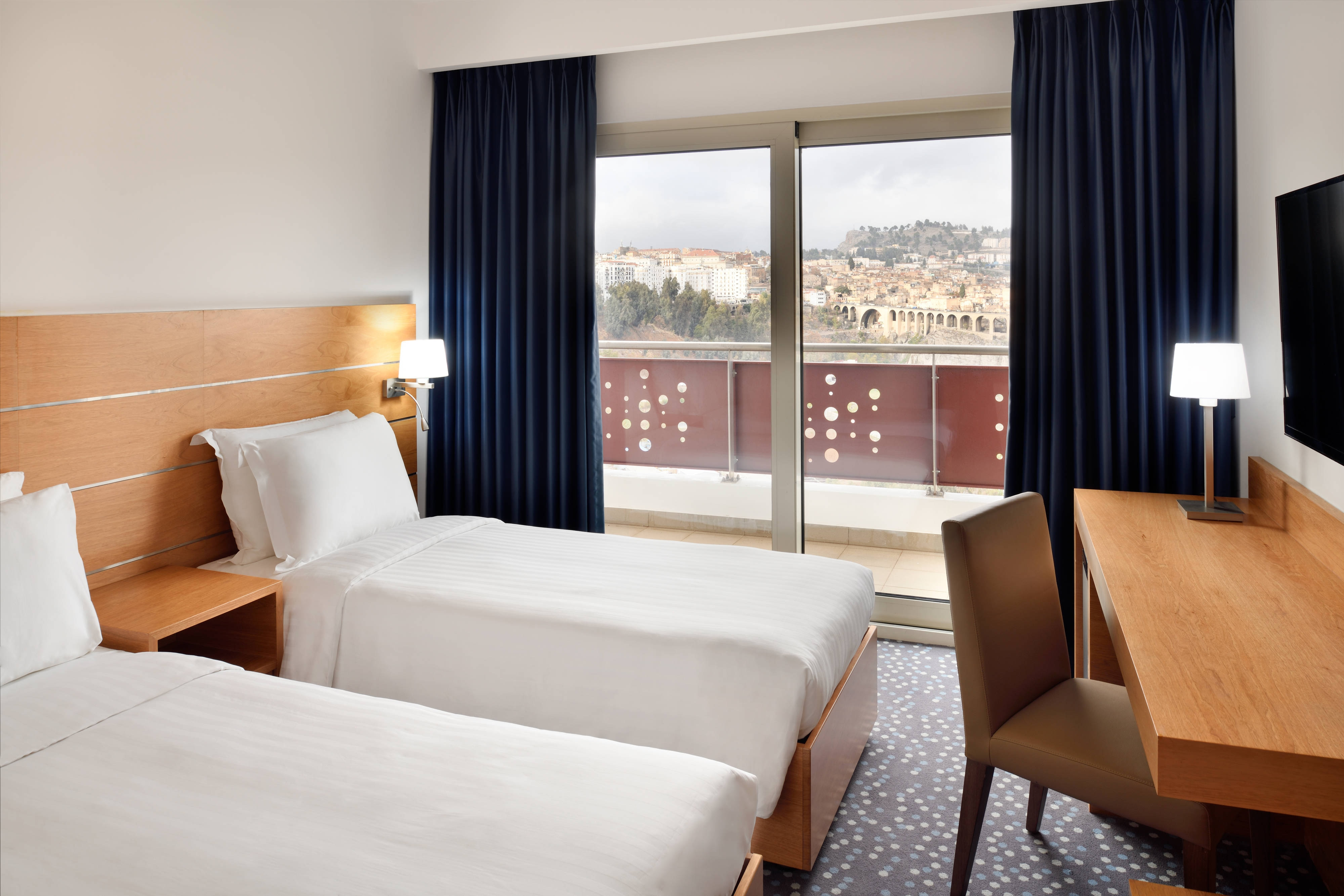 Deluxe Twin Room City View