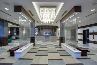 Fresh contemporary d'ecor, spacious hotel entry and lobby