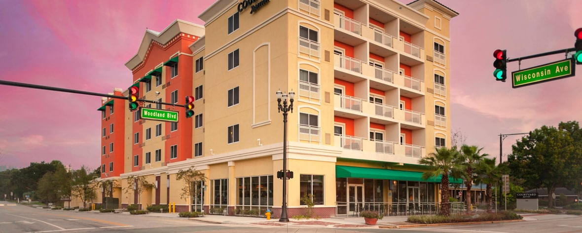Business Hotel in Deland | Courtyard DeLand Historic Downtown