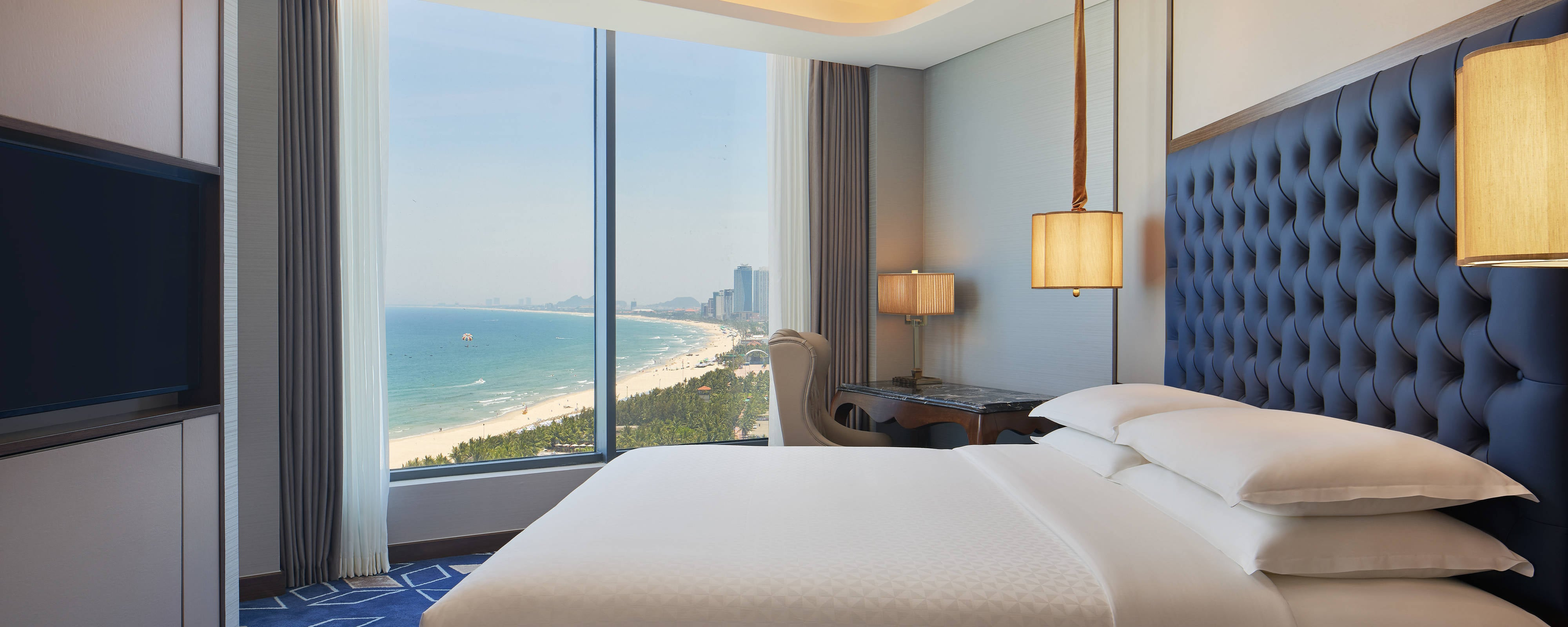 Danang Luxury Hotel - Resort | Four Points by Sheraton Danang
