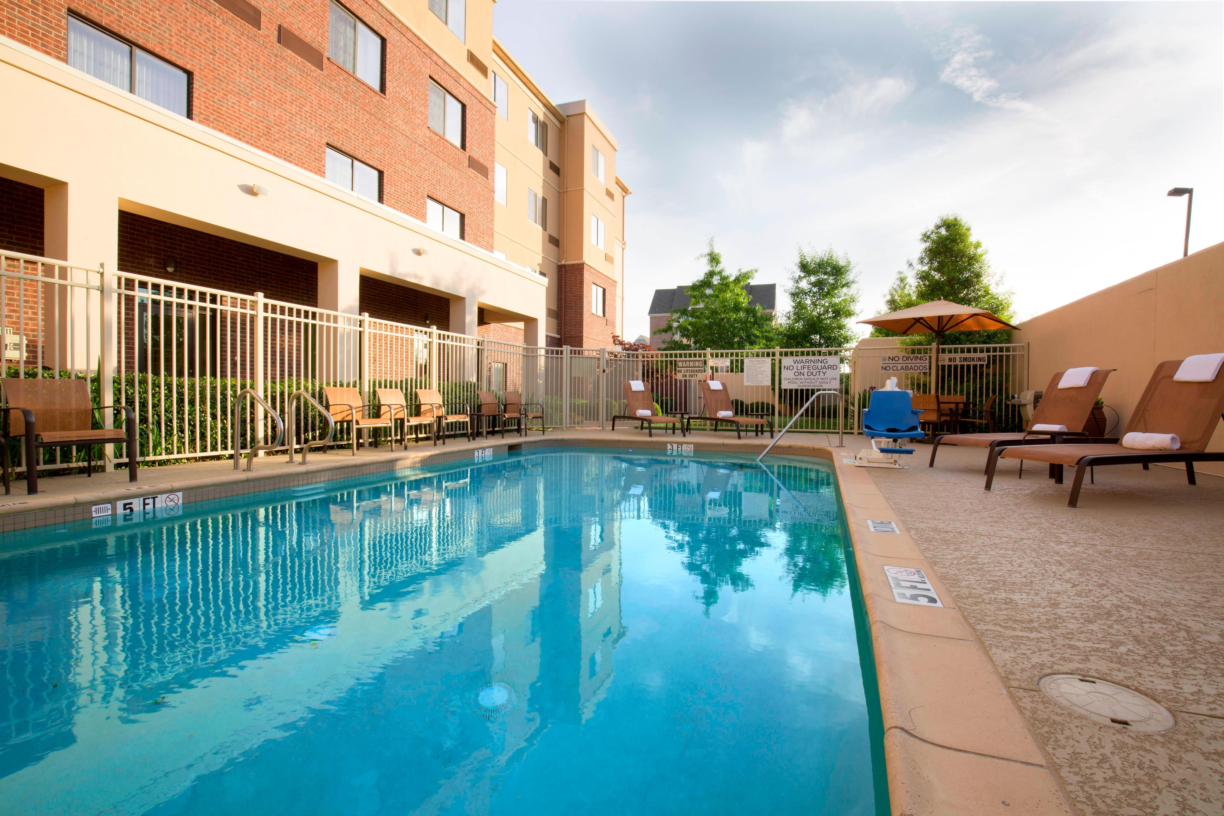 Arlington Texas Hotel Outdoor Pool