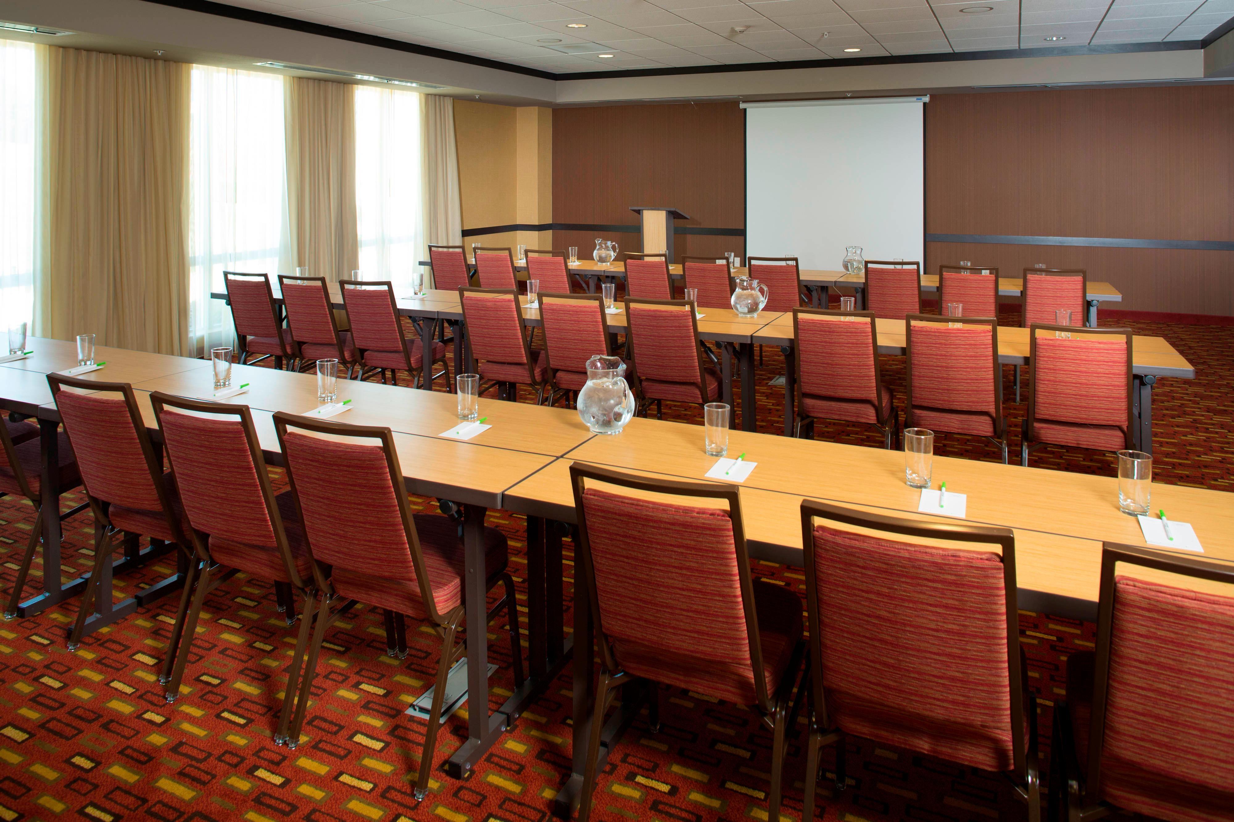 Midlothian hotel meetings
