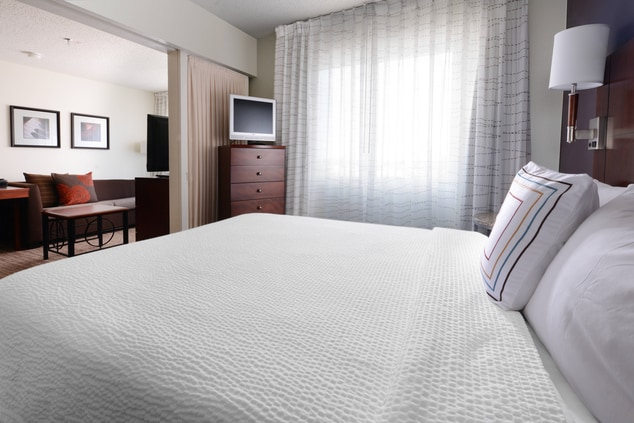 Newly Renovated Dallas All-Suite Hotel