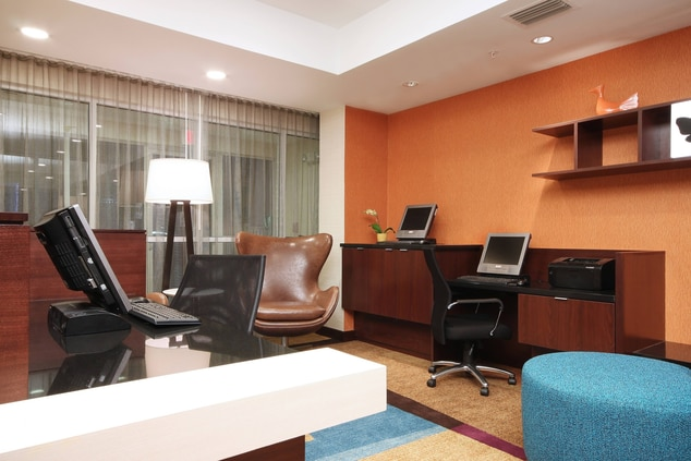 Las Colinas Hotel Business Center