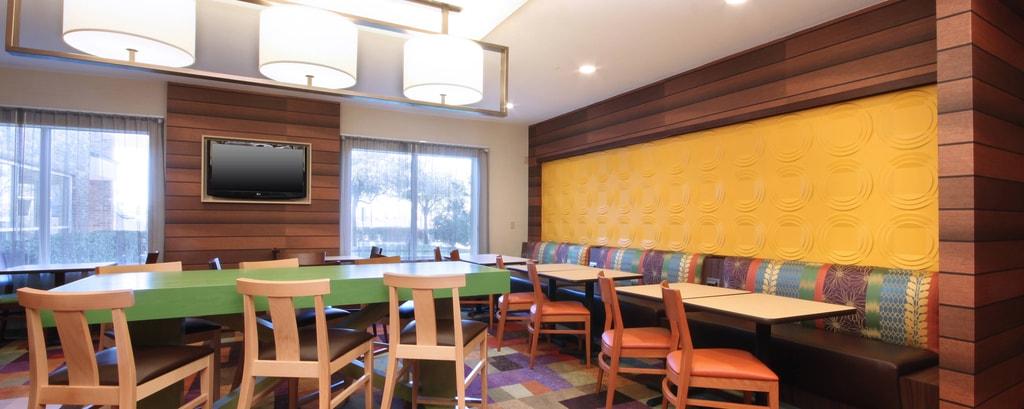 Zona de desayunos del hotel en Las Colinas