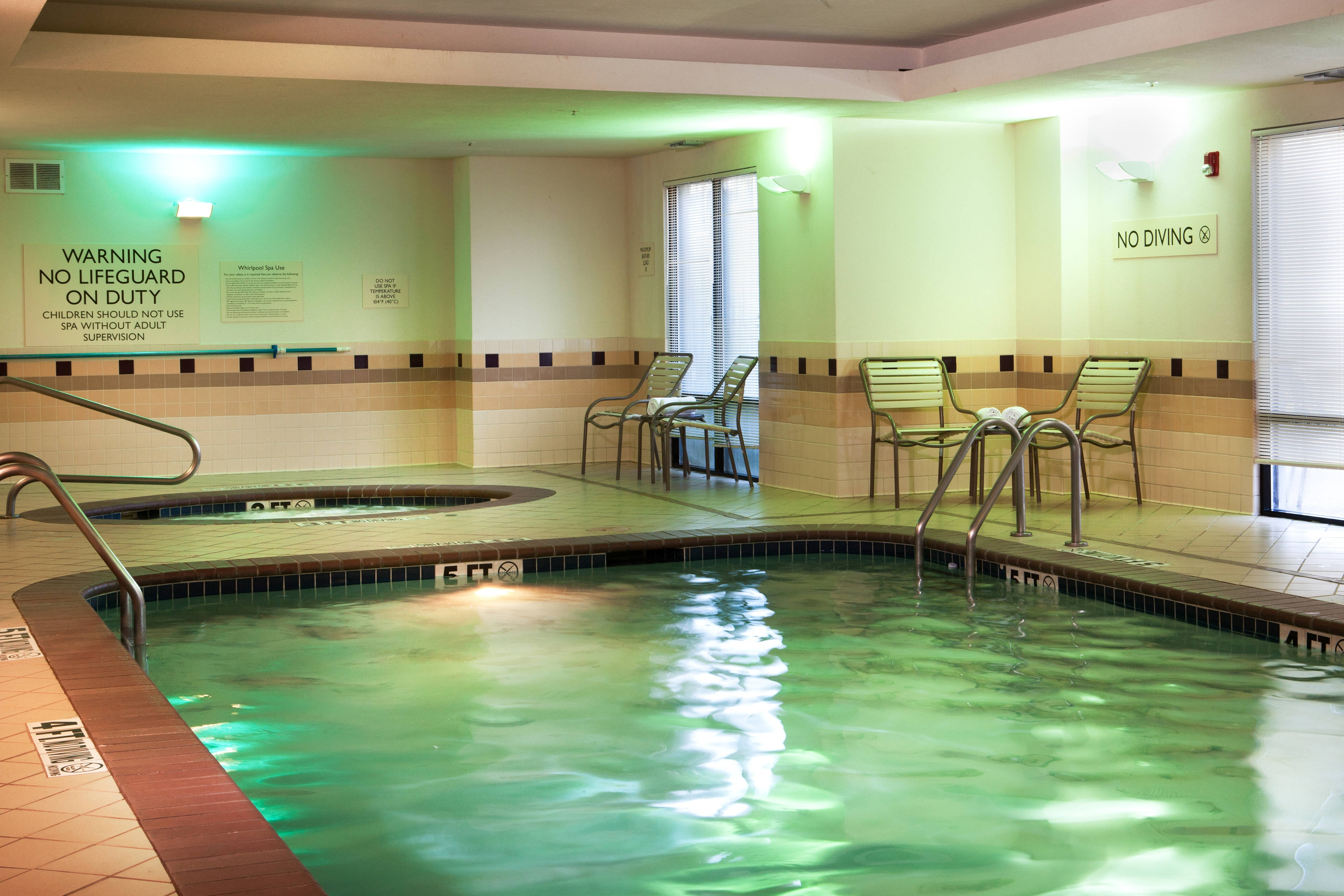 Grapevine Hotels indoor pool
