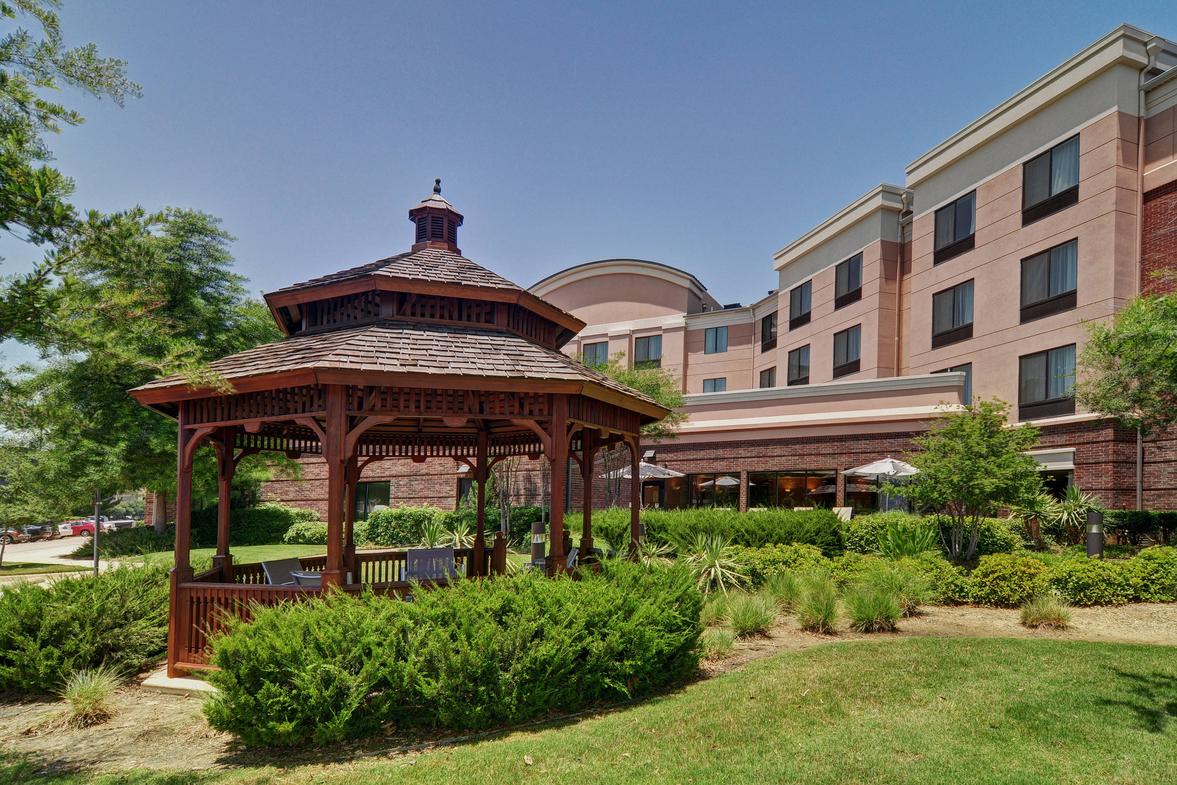 DFW airport hotel outdoor gazebo