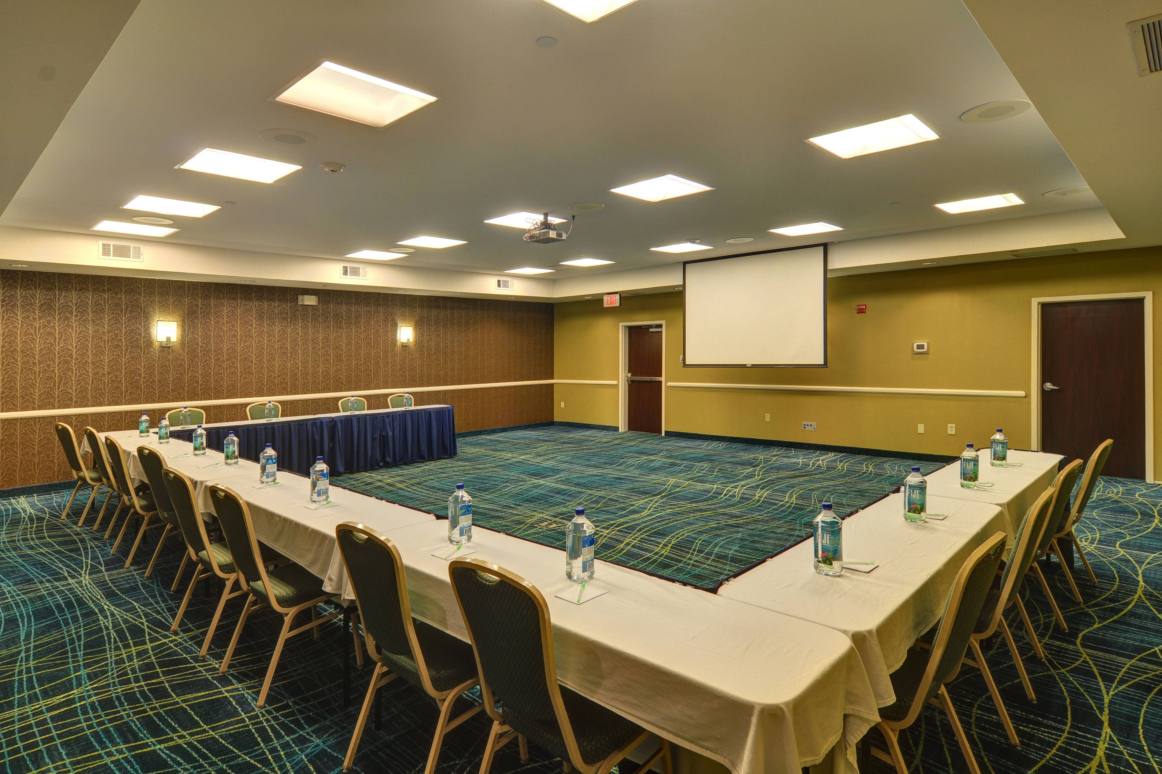 DFW airport hotel meeting room