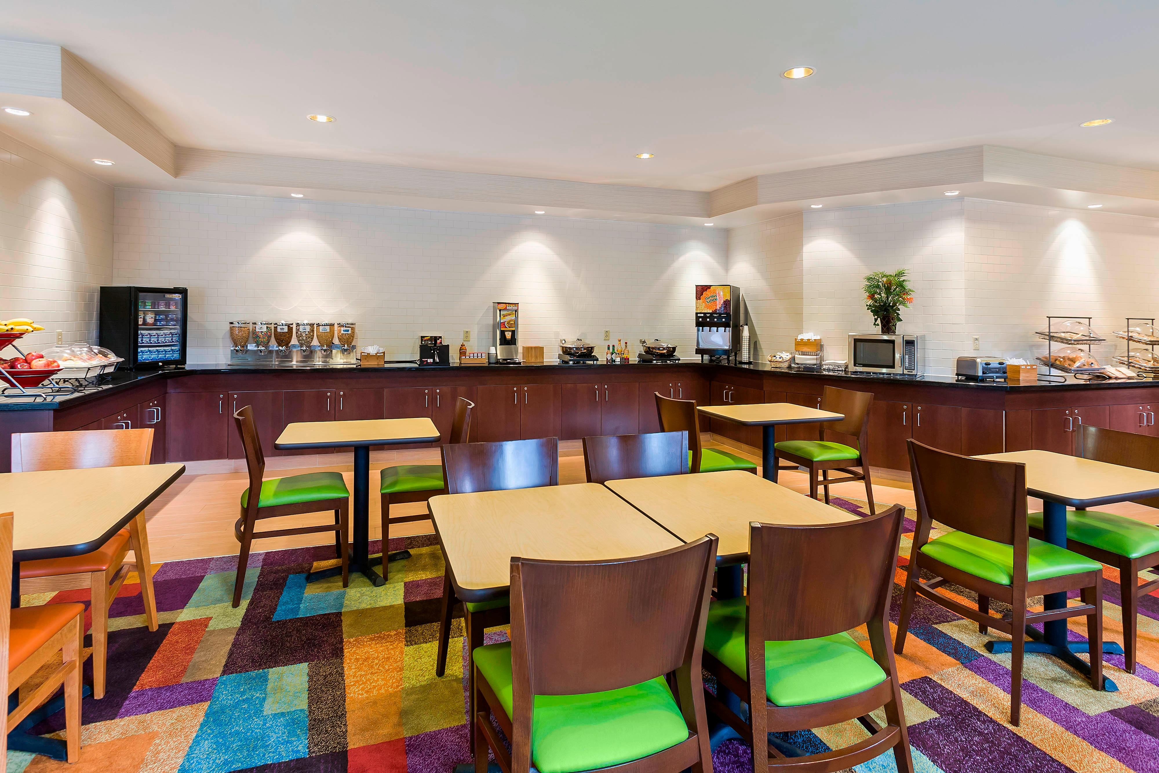 Desayuno del Fairfield Inn & Suites Dallas Park Central