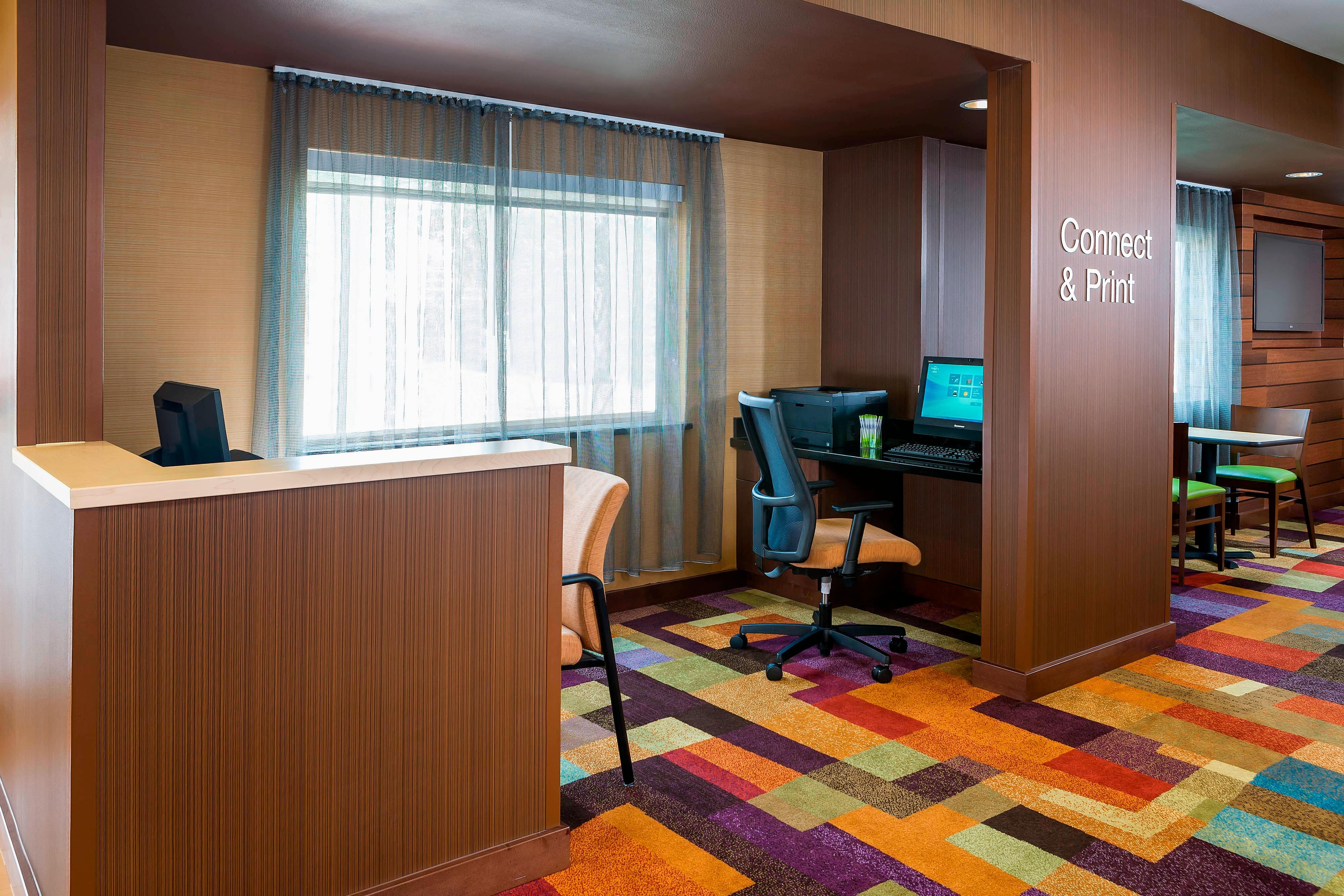 Espacio para reuniones del Fairfield Inn & Suites Dallas Park Central
