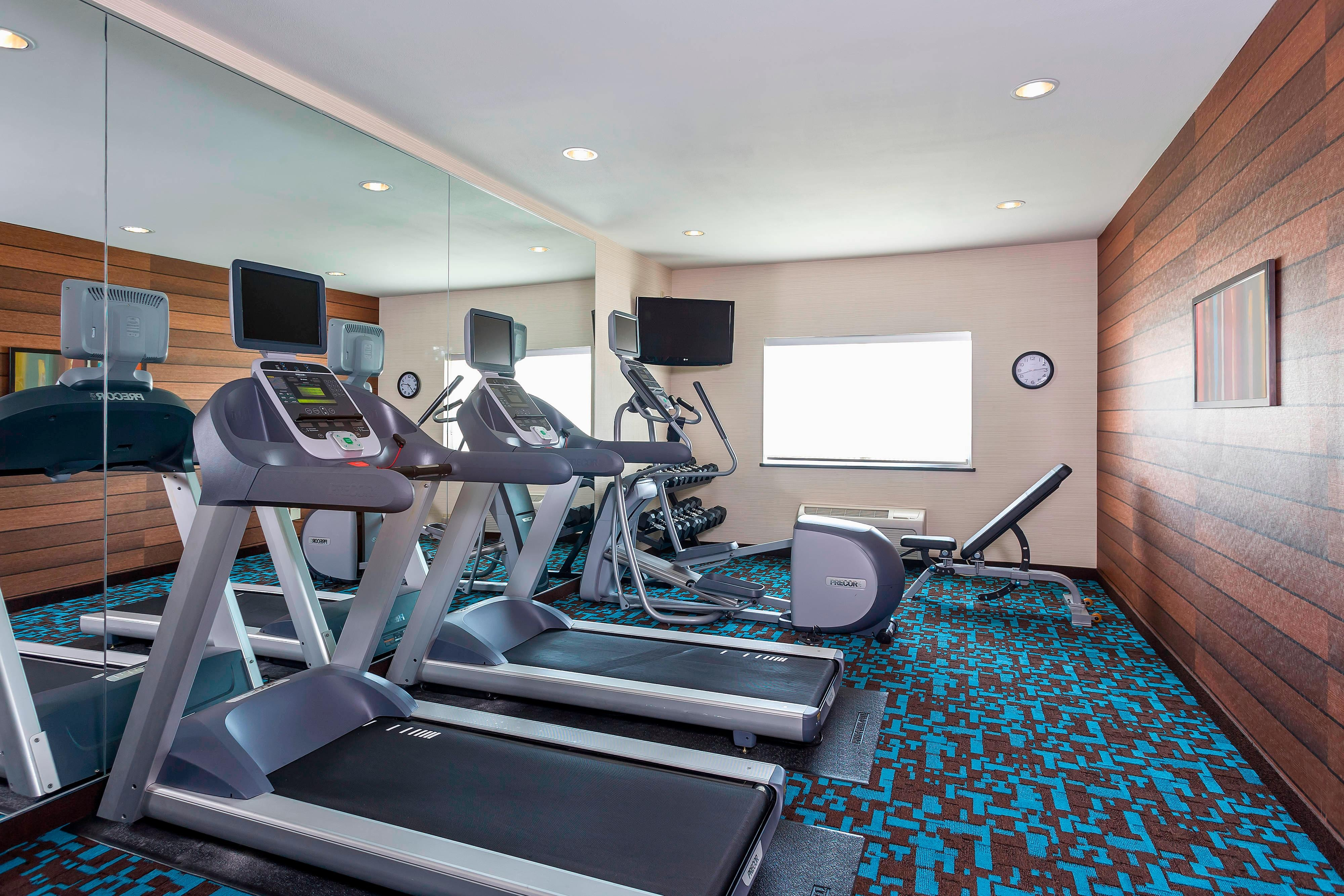 Hotel con gimnasio en North Dallas