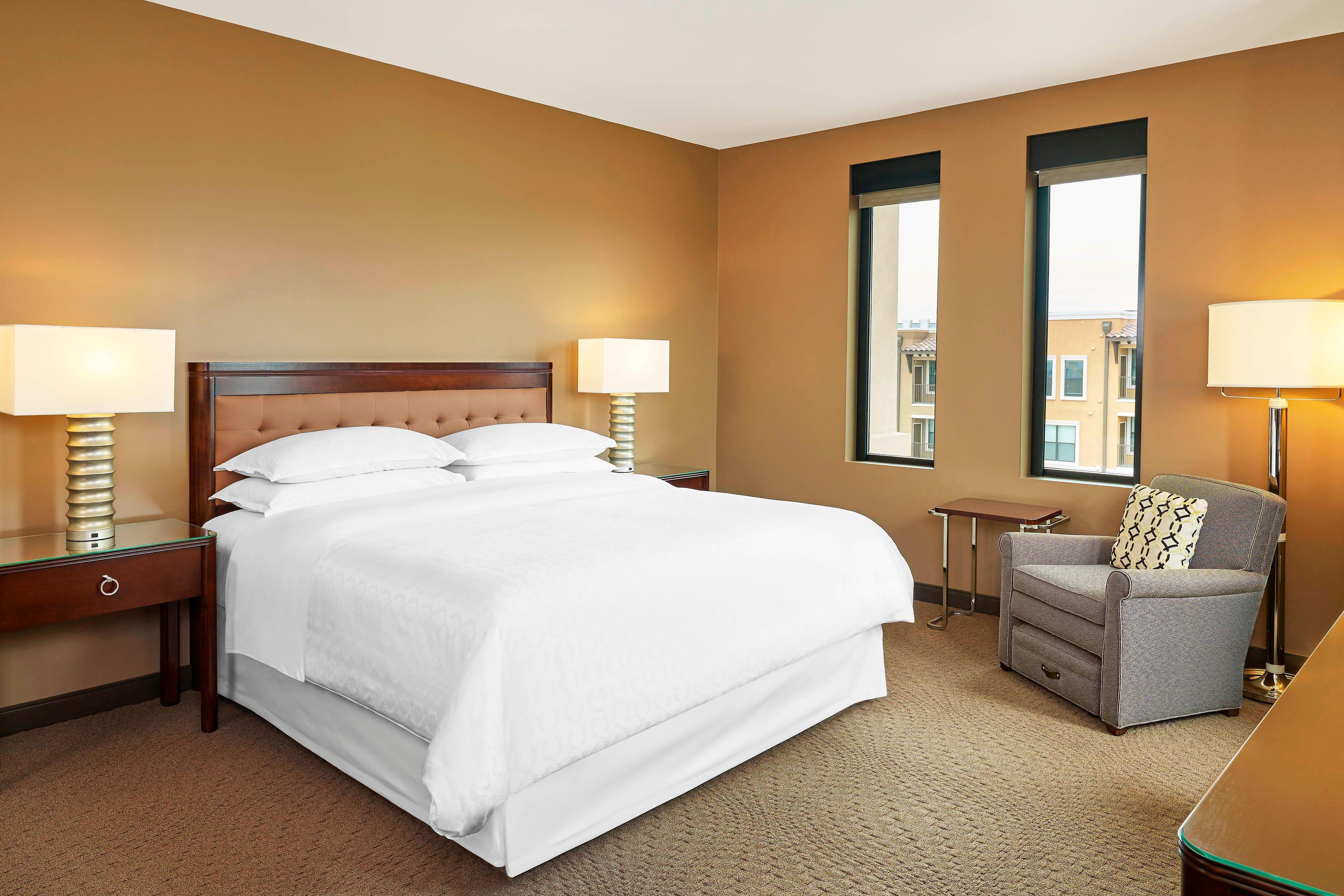 Habitación con cama tamaño King