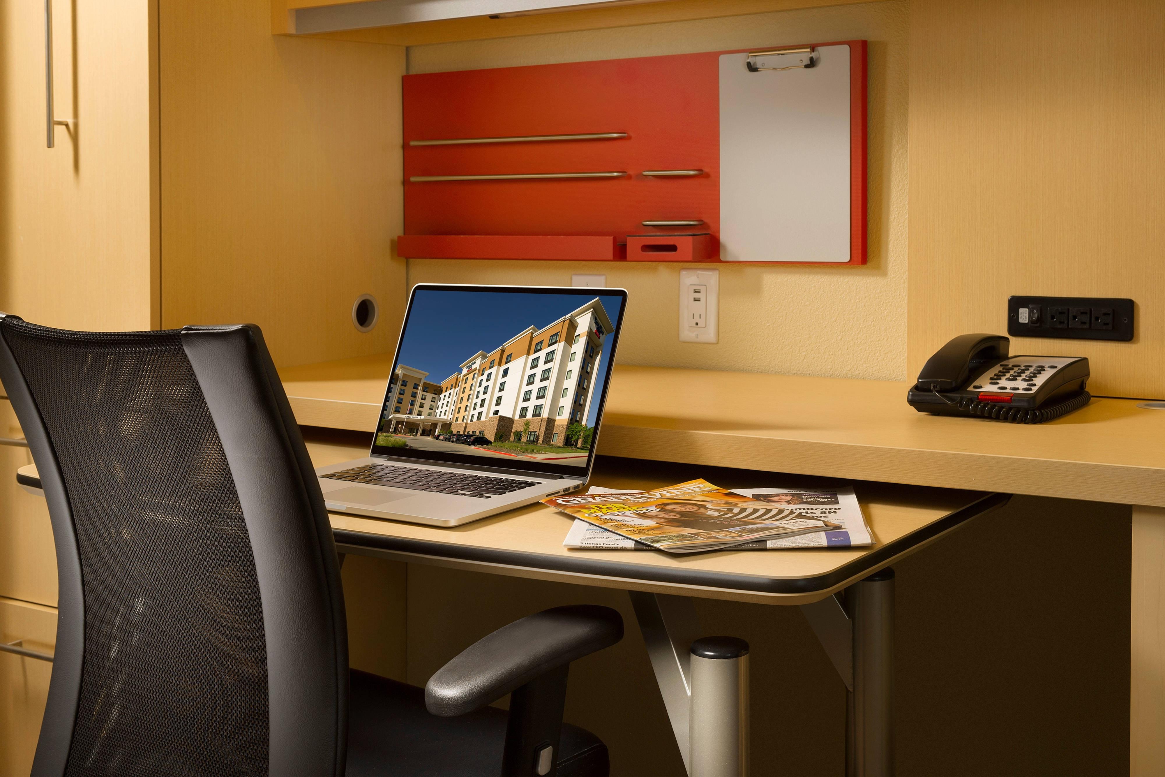 Schreibtisch in der Suite