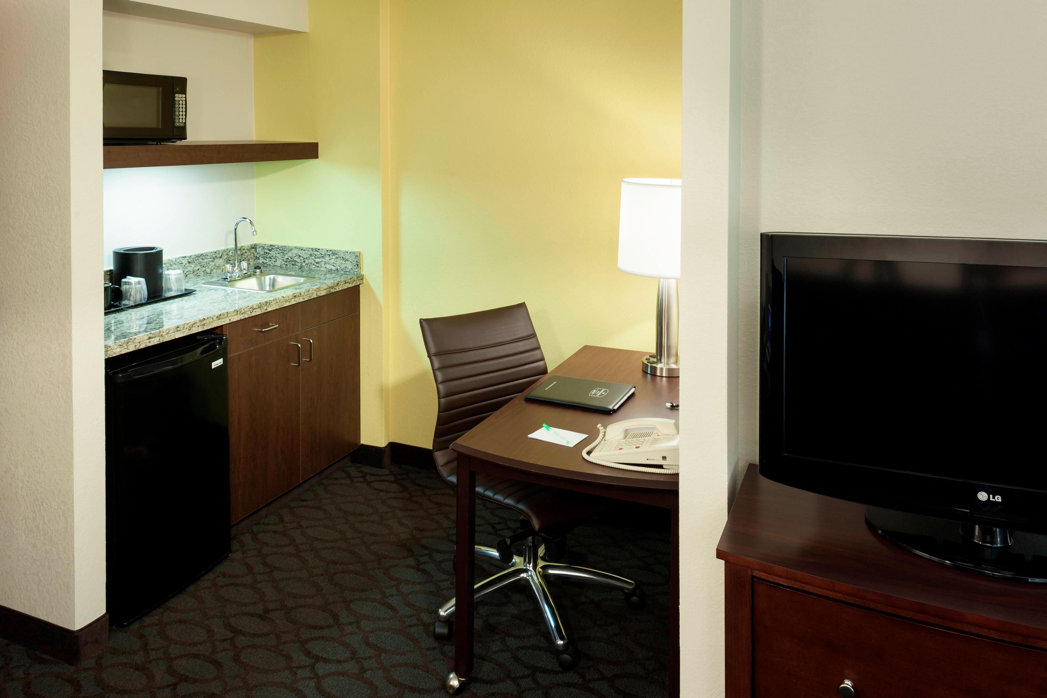 King Suite Work Area