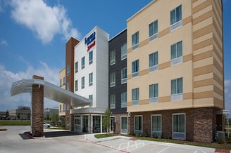 Fairfield Inn & Suites Dallas West/I-30